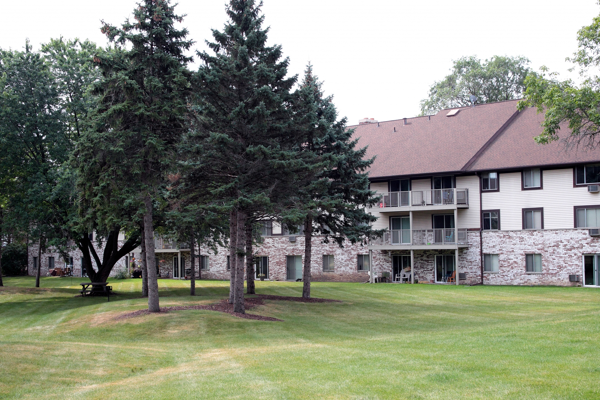 Valley View Apartments image 1