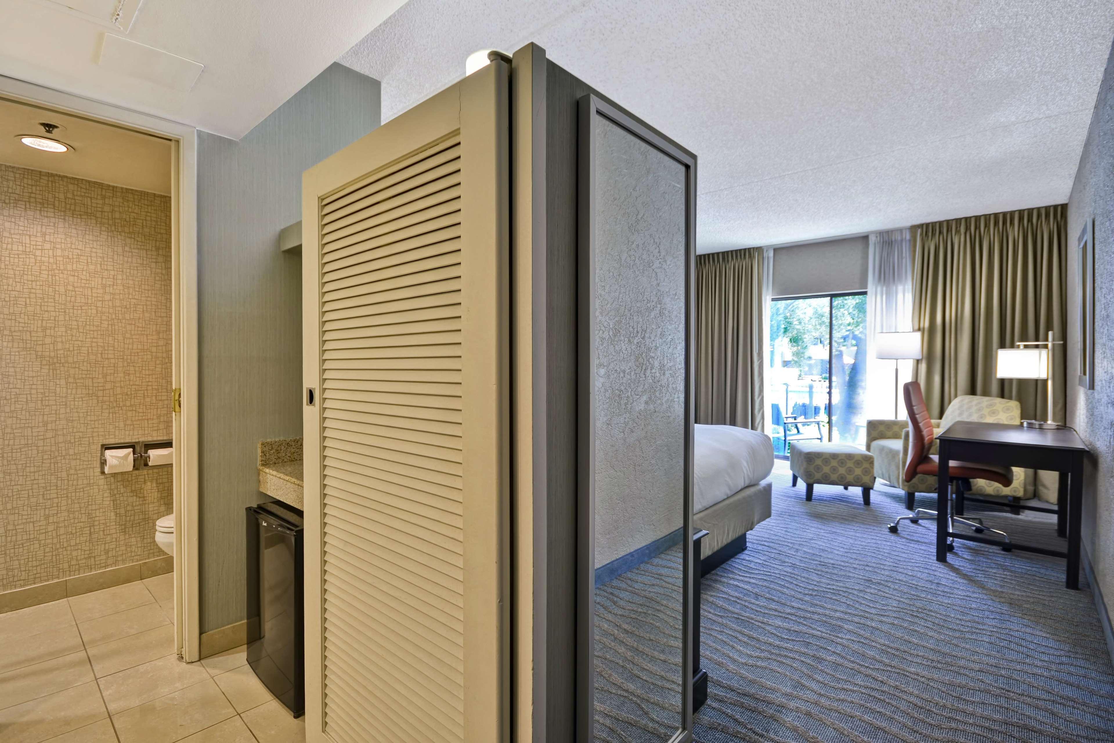 DoubleTree by Hilton Phoenix North image 20