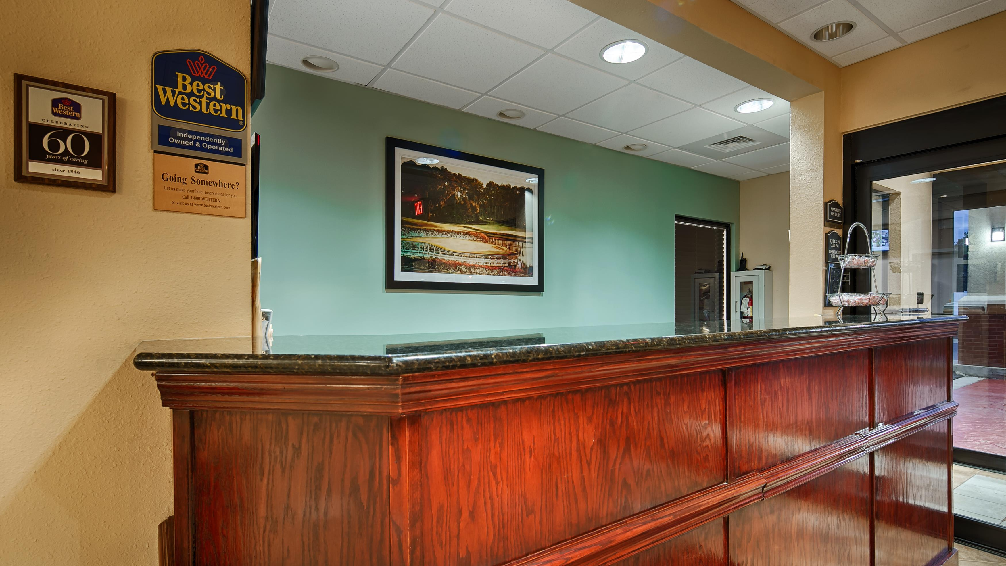 Country Inn & Suites by Radisson, Midway, FL image 3
