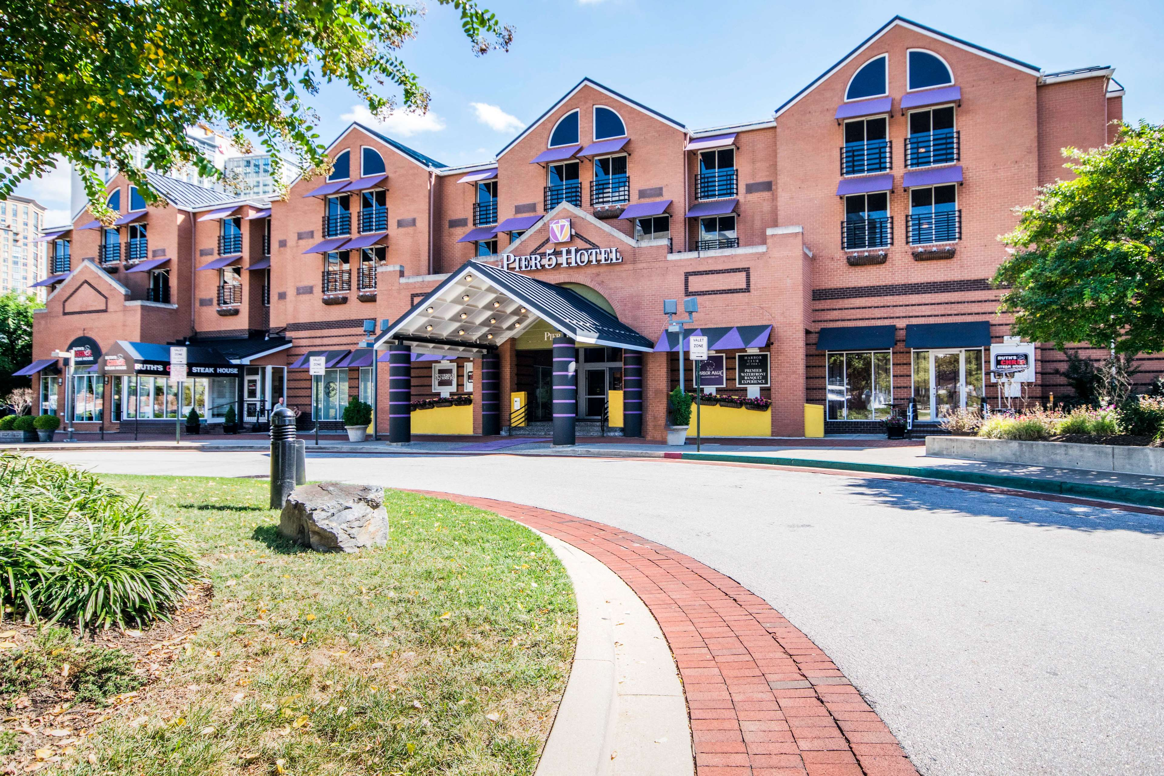Pier 5 Hotel Baltimore, Curio Collection by Hilton image 2