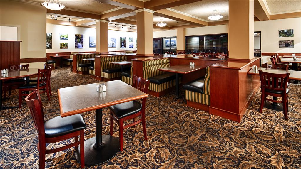 Best Western Plus Barclay Hotel in Port Alberni: Onsite Dining