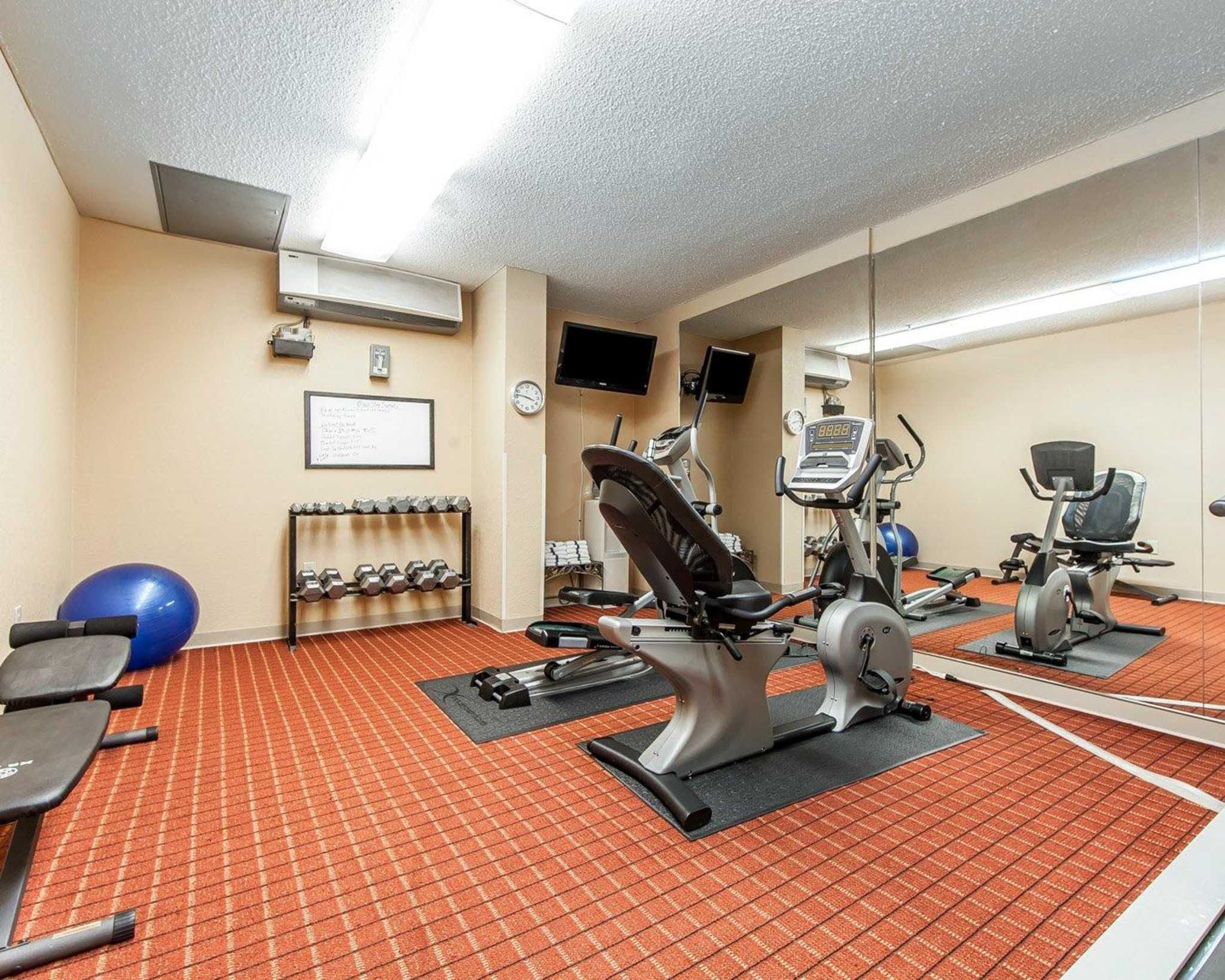 MainStay Suites Knoxville Airport image 33