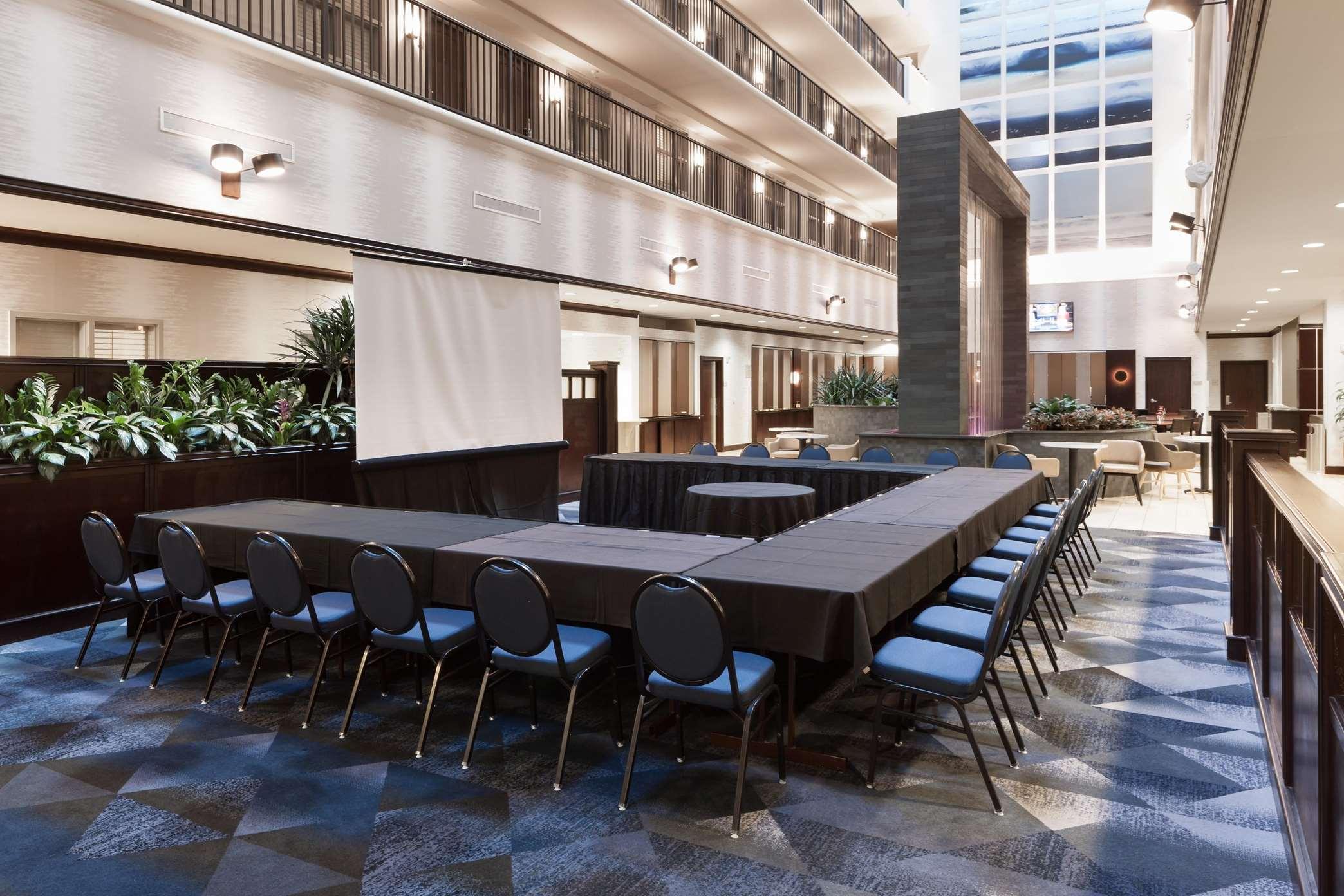 Embassy Suites by Hilton Tampa Brandon image 2