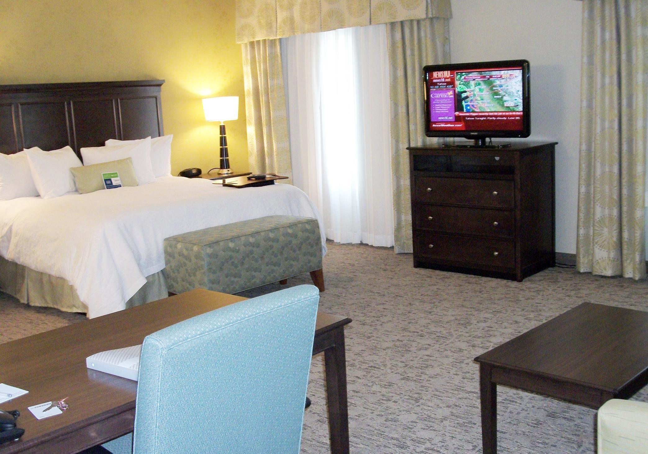 Hampton Inn & Suites Manteca image 24