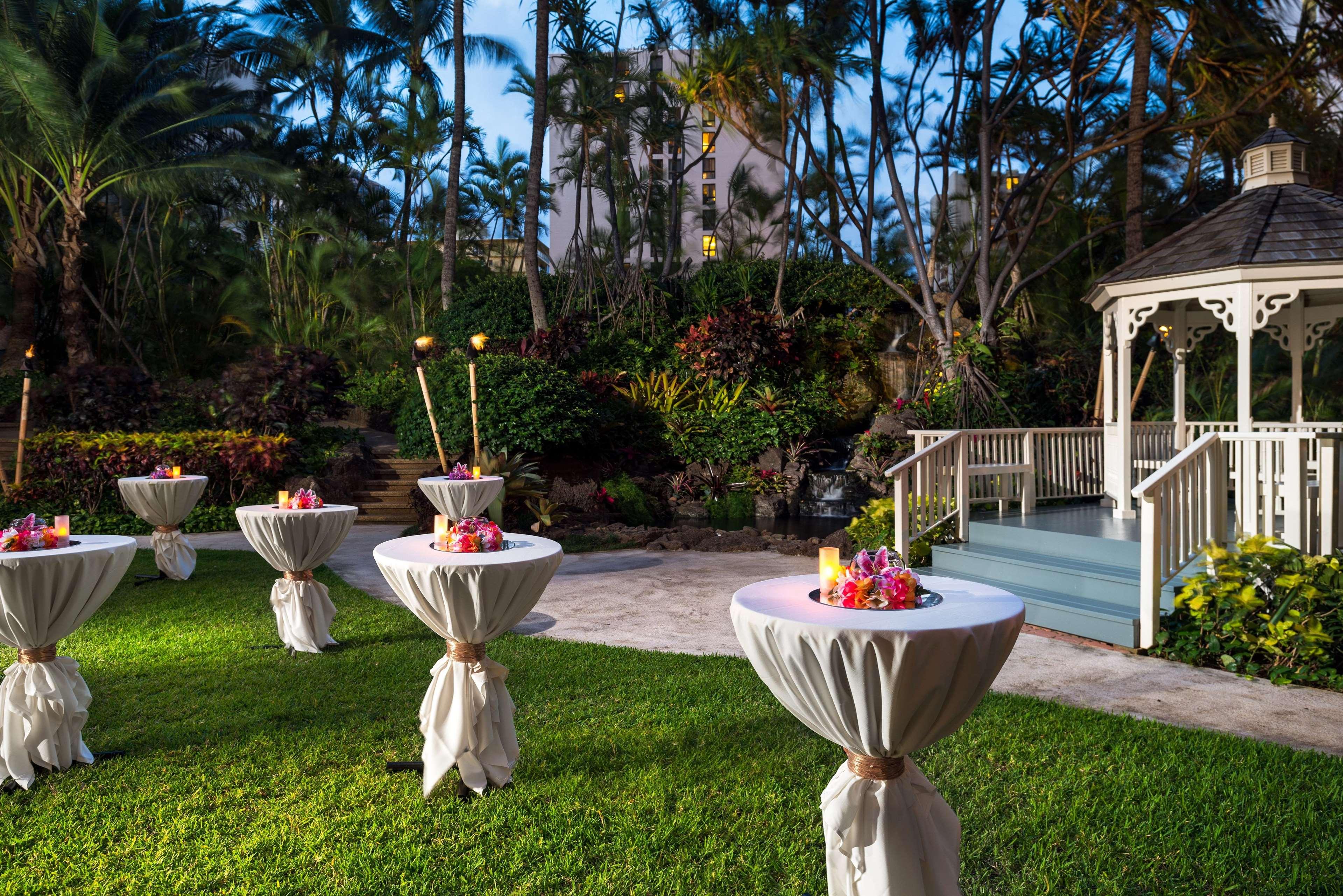 Hilton Waikiki Beach image 22