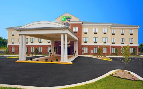 Holiday Inn Express & Suites Thornburg-S. Fredericksburg image 0