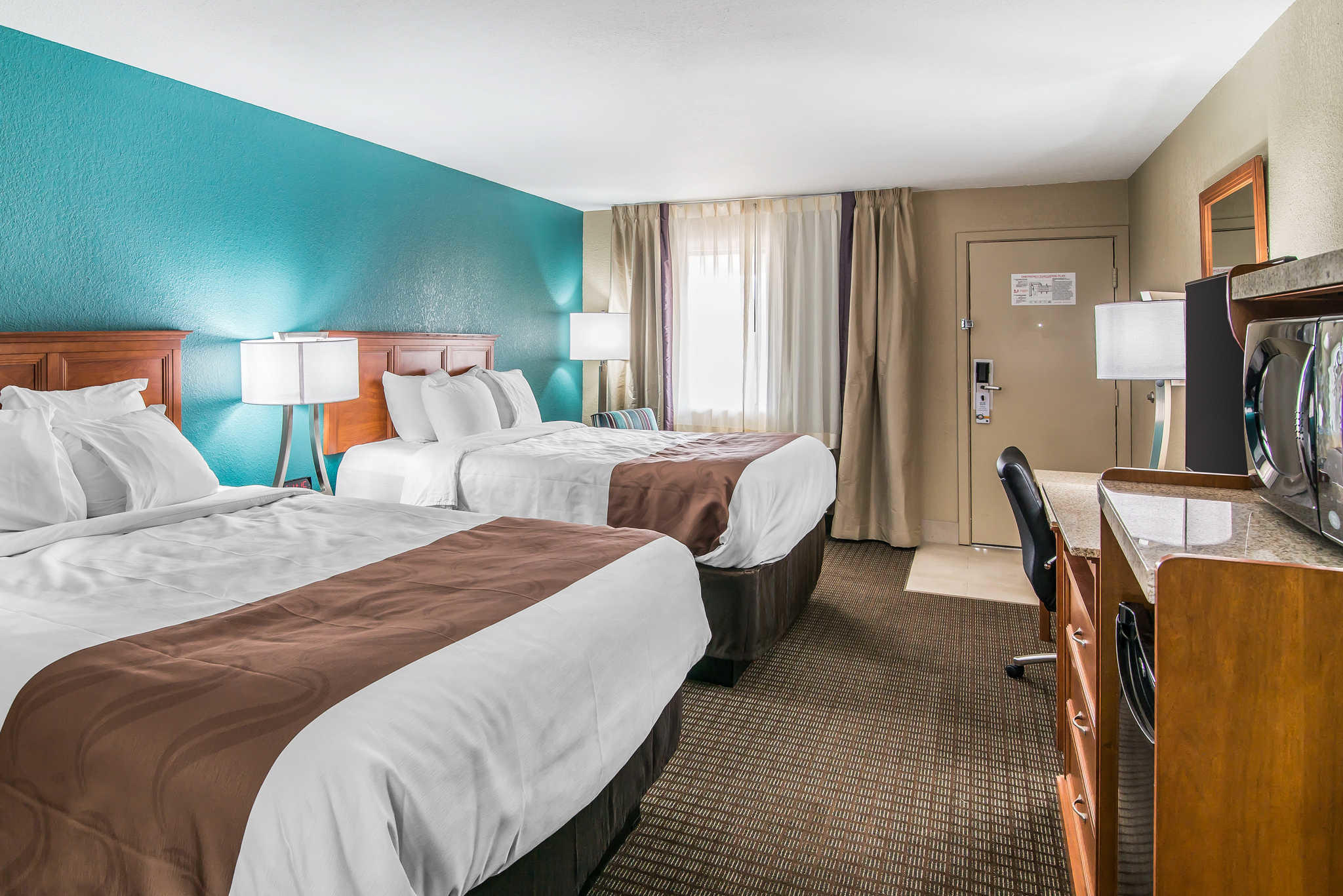 Quality Inn & Suites Near White Sands National Monument image 12