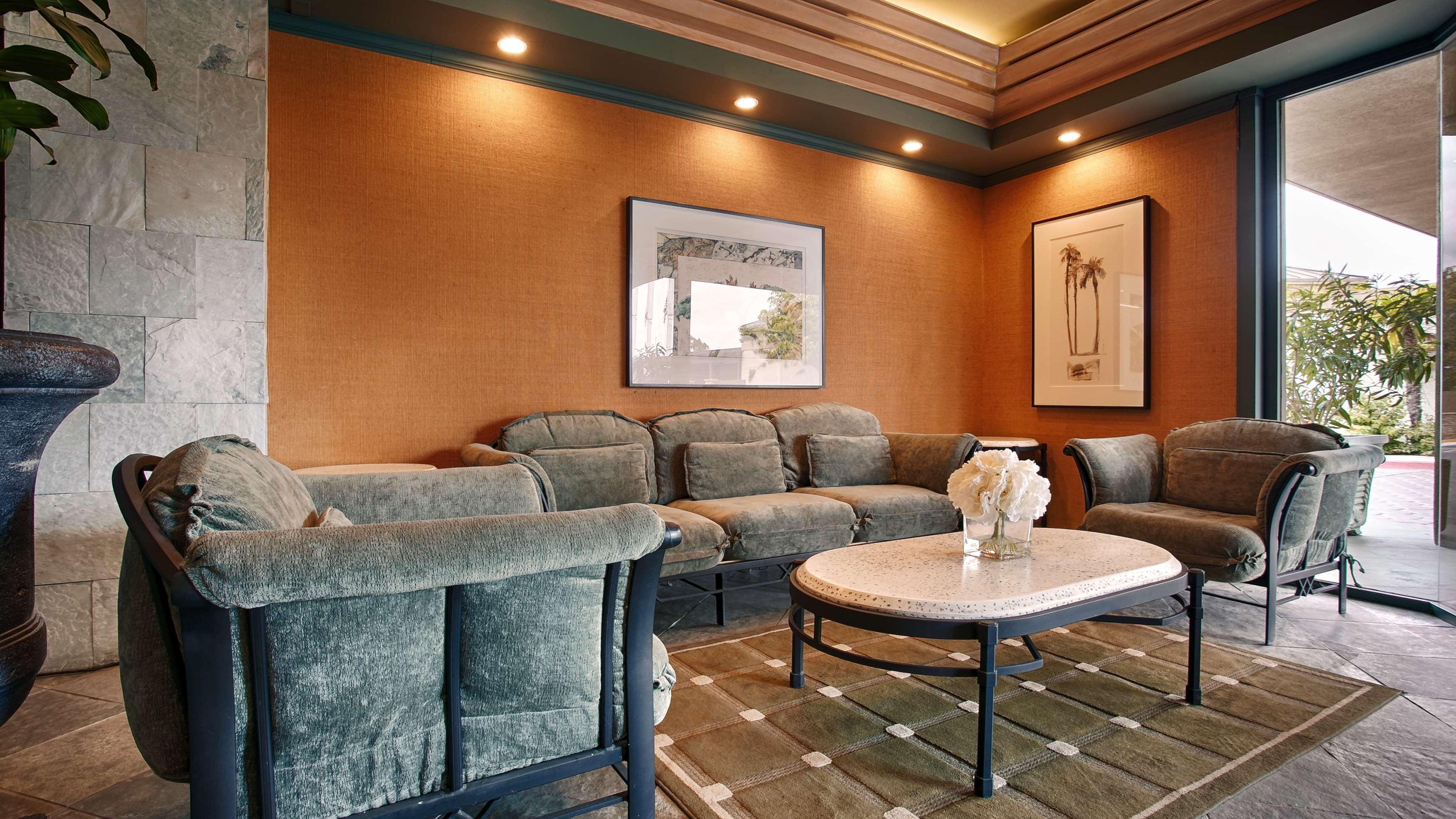 Best Western Encinitas Inn & Suites at Moonlight Beach image 4