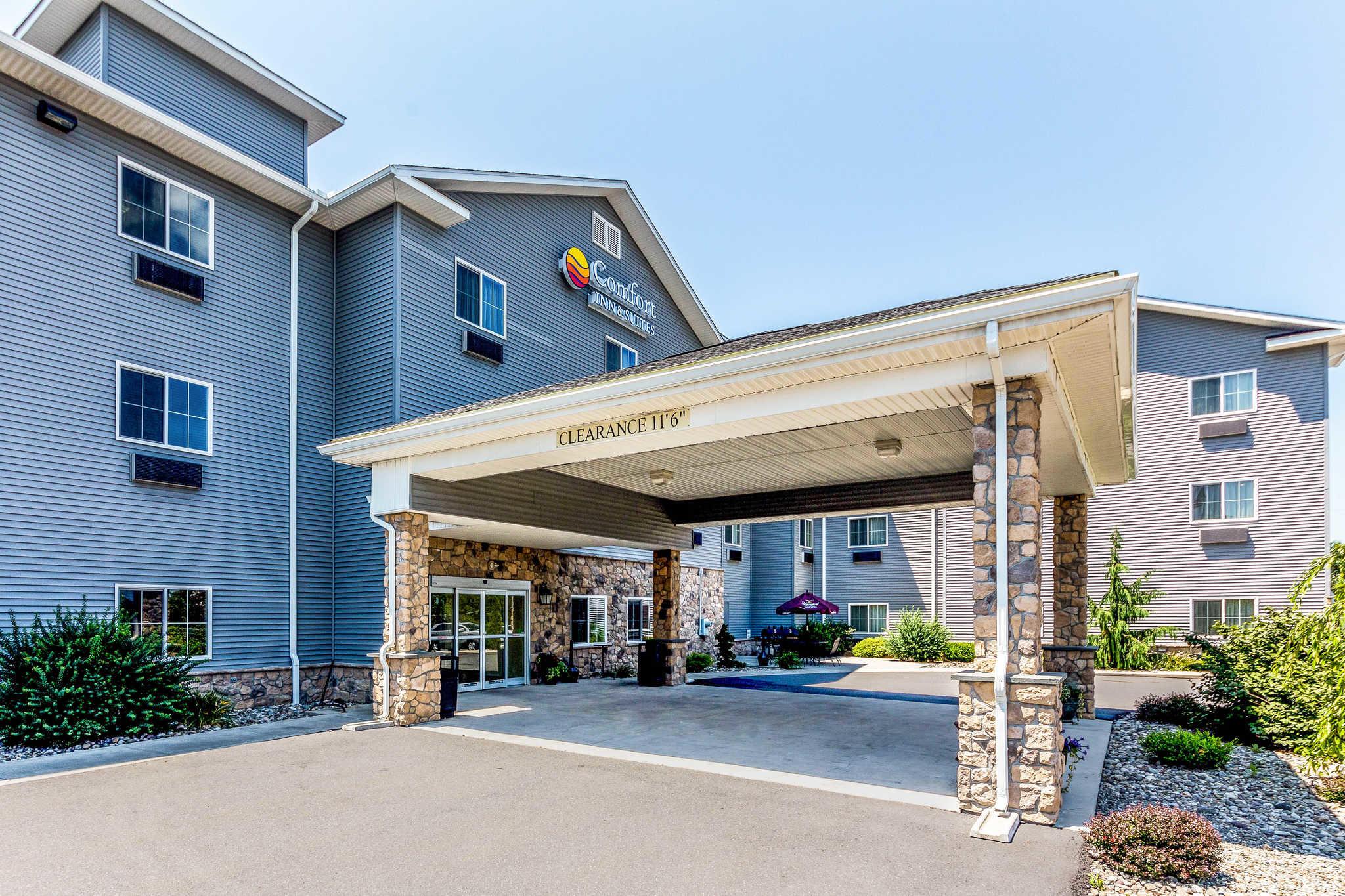 Comfort Inn & Suites Barnesville - Frackville image 2