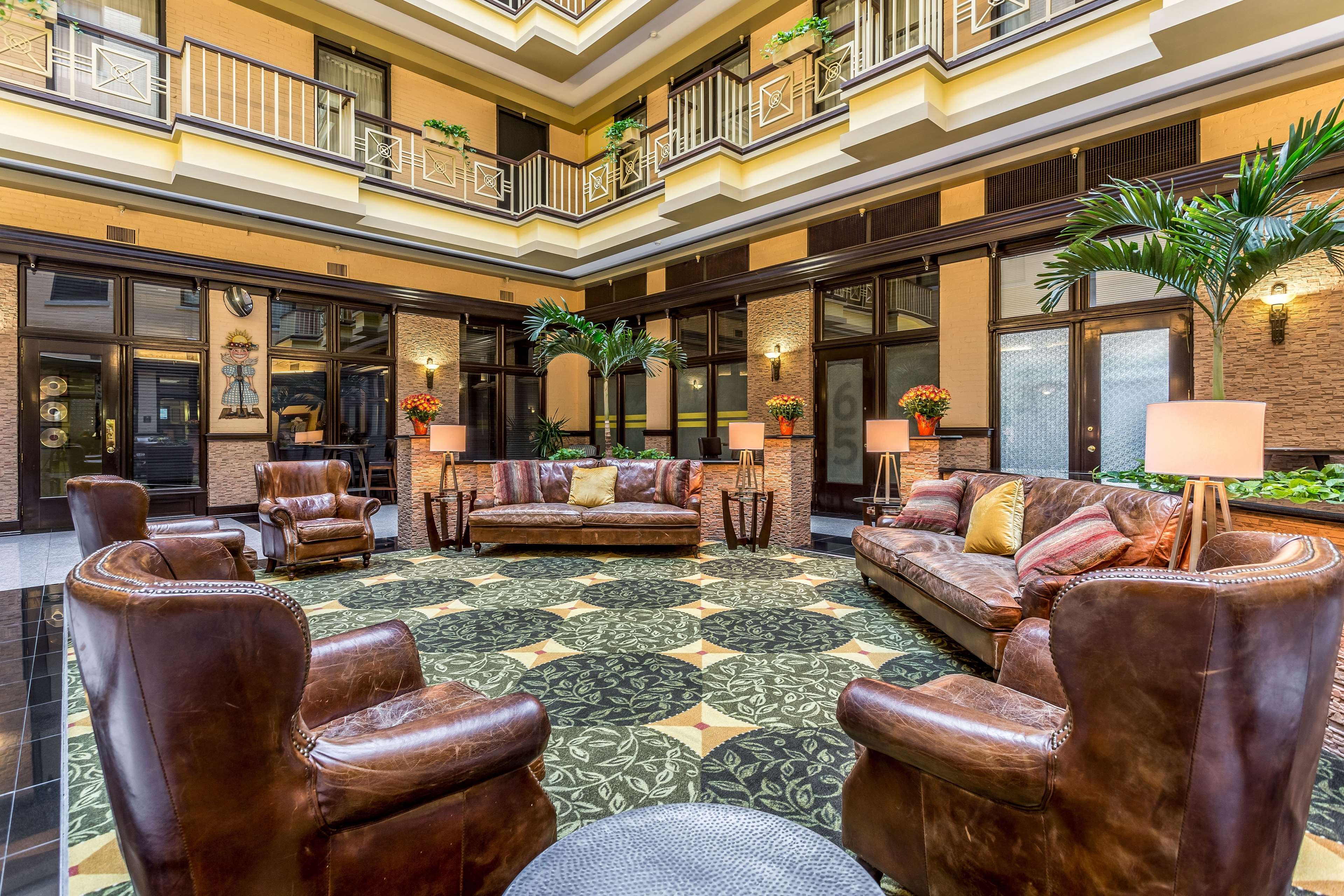 Homewood Suites by Hilton Nashville-Downtown image 2