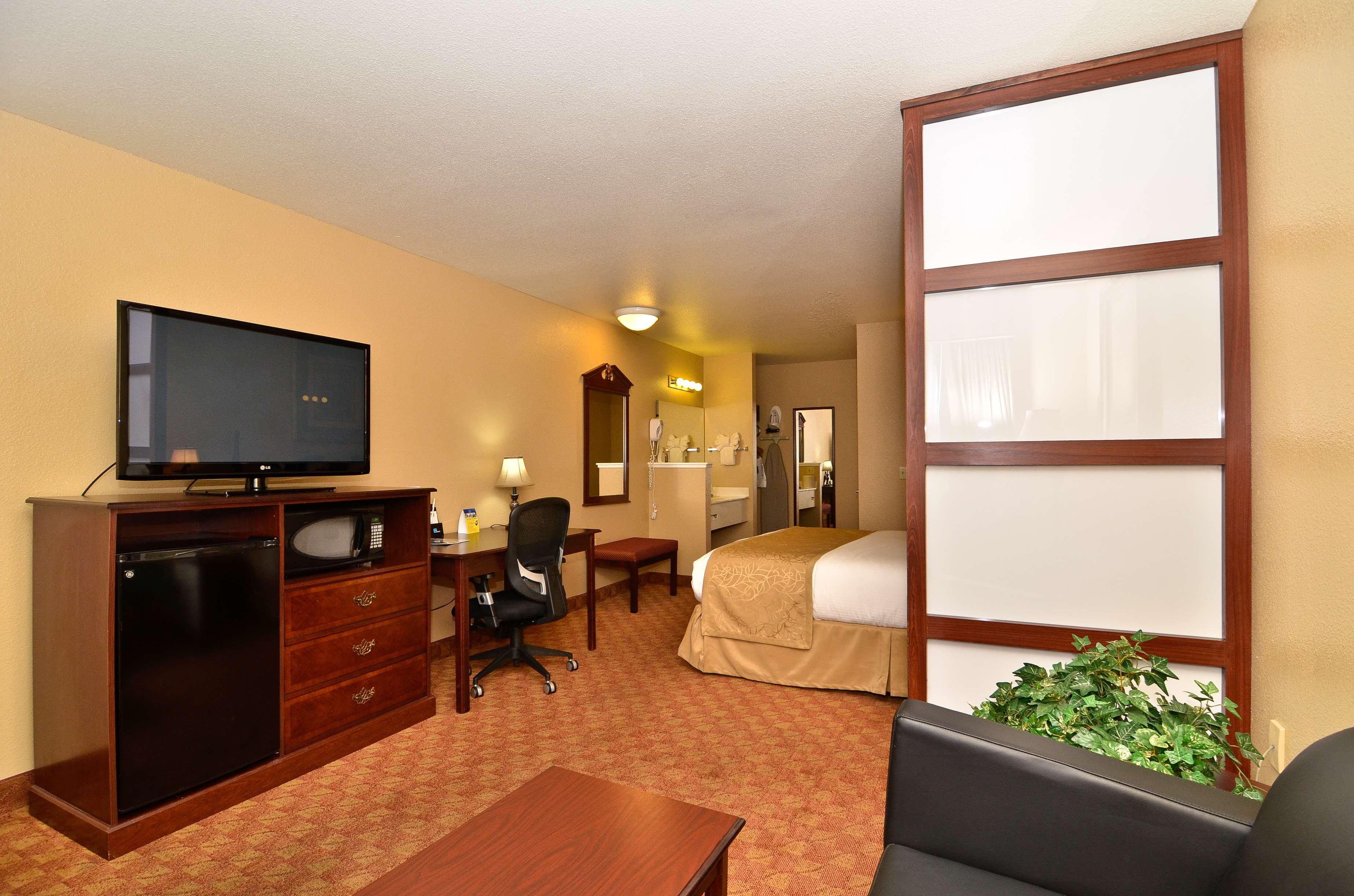 Best Western Fallon Inn & Suites image 30