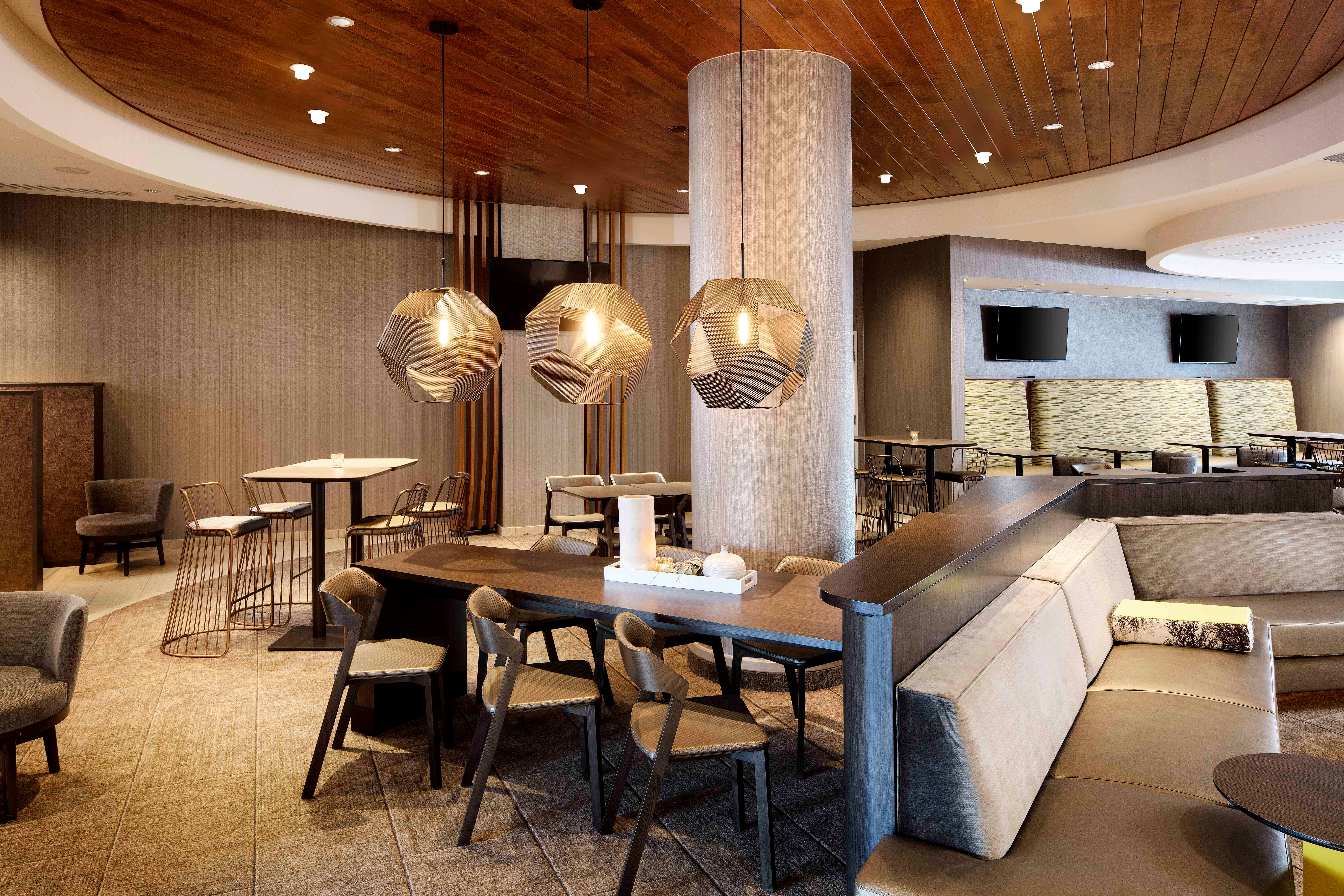 SpringHill Suites by Marriott Indianapolis Downtown image 4