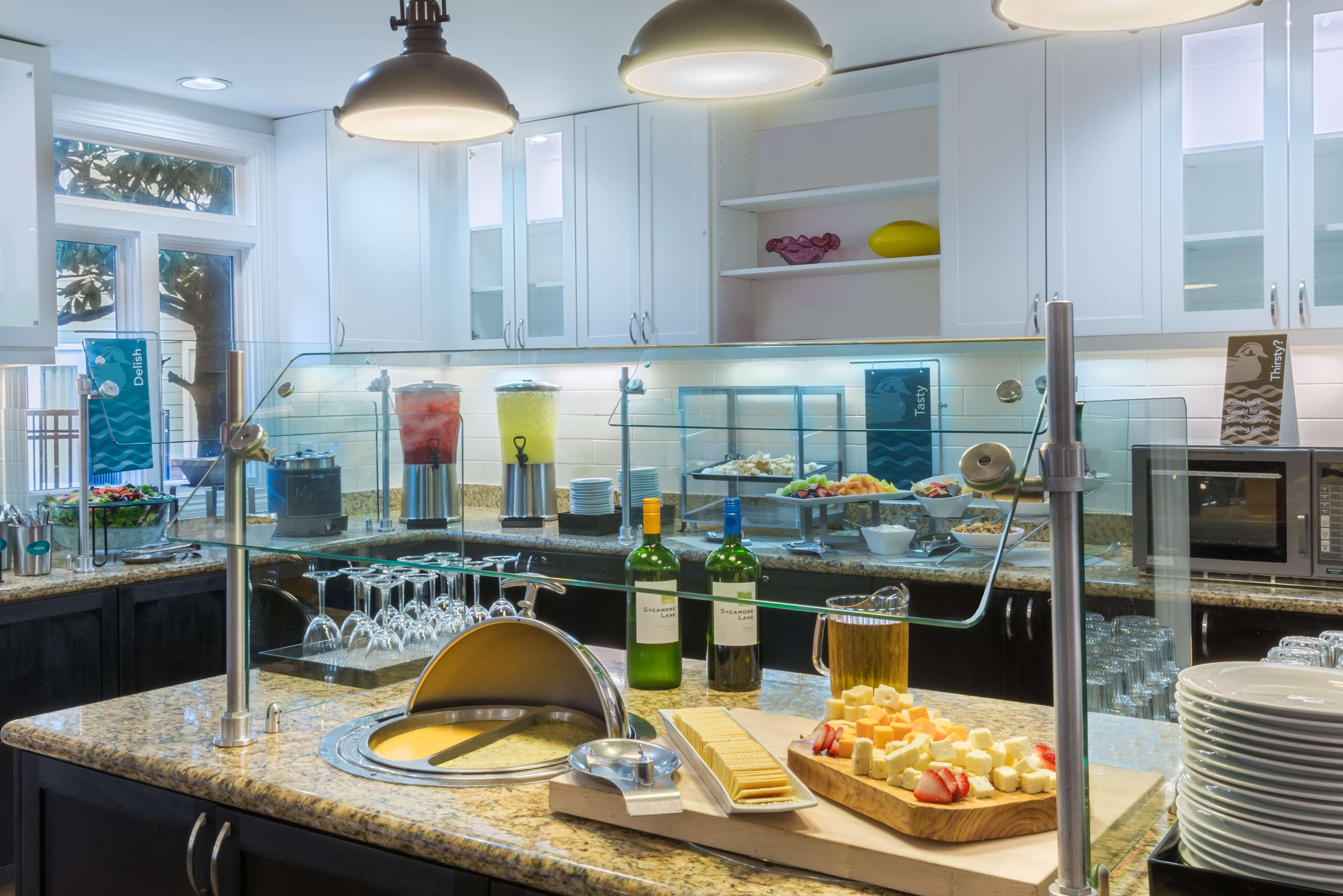 Homewood Suites by Hilton Charlotte-North/Univ Research Park image 7
