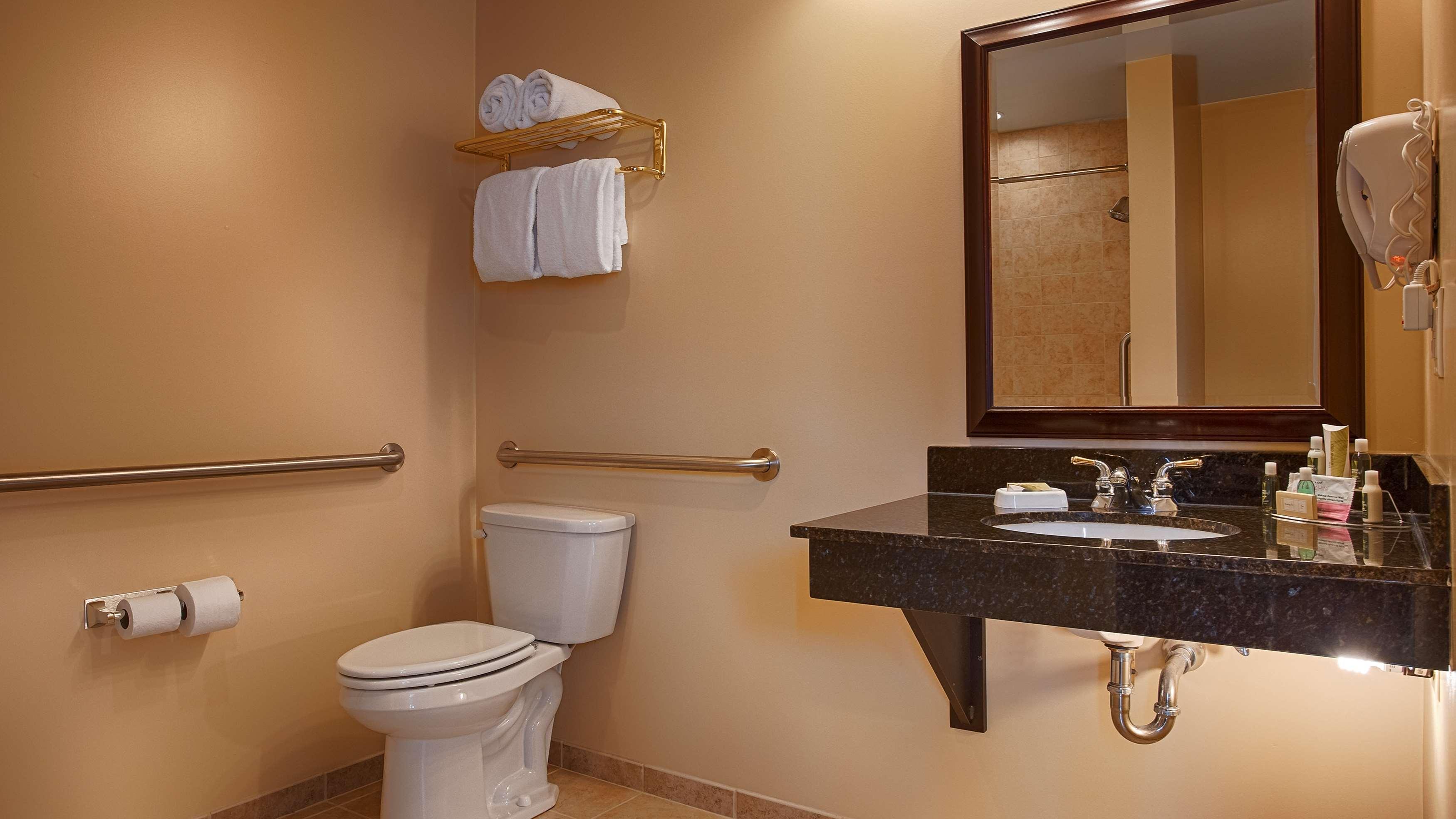 Best Western Plus Vineyard Inn & Suites image 12