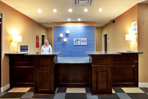 Holiday Inn Express & Suites Baton Rouge -Port Allen image 3