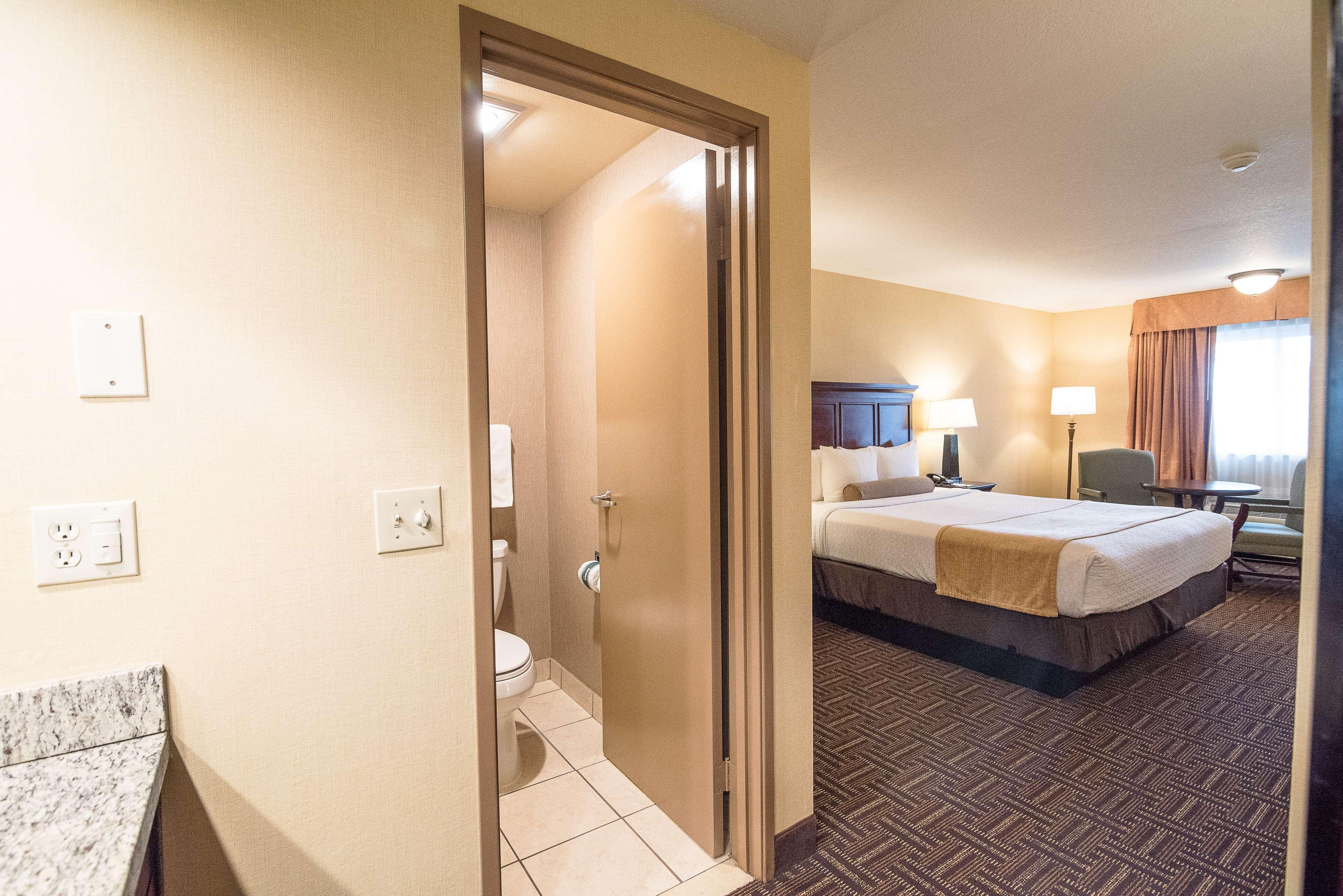 Best Western Plus Redondo Beach Inn image 25