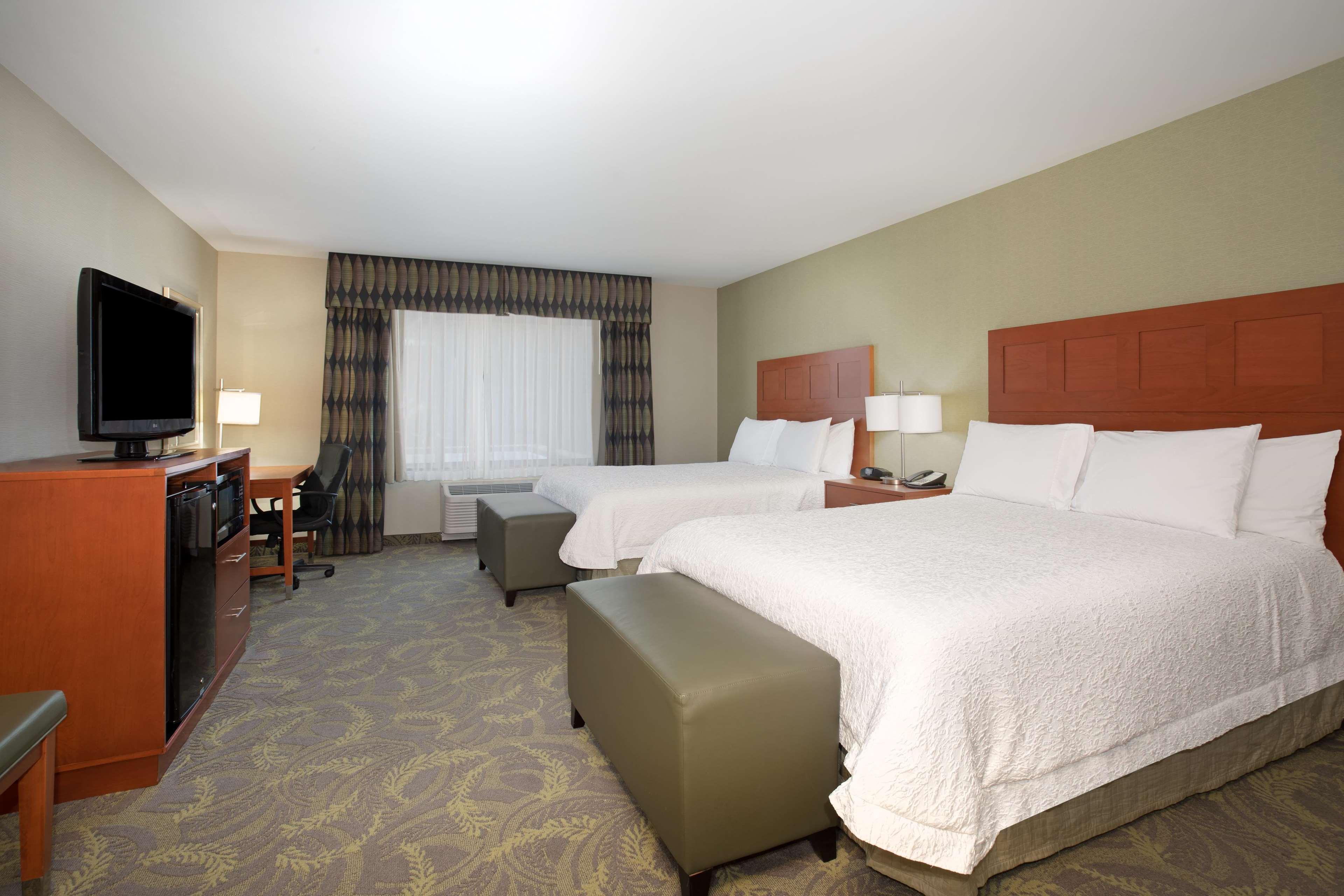 Hampton Inn & Suites Astoria image 40