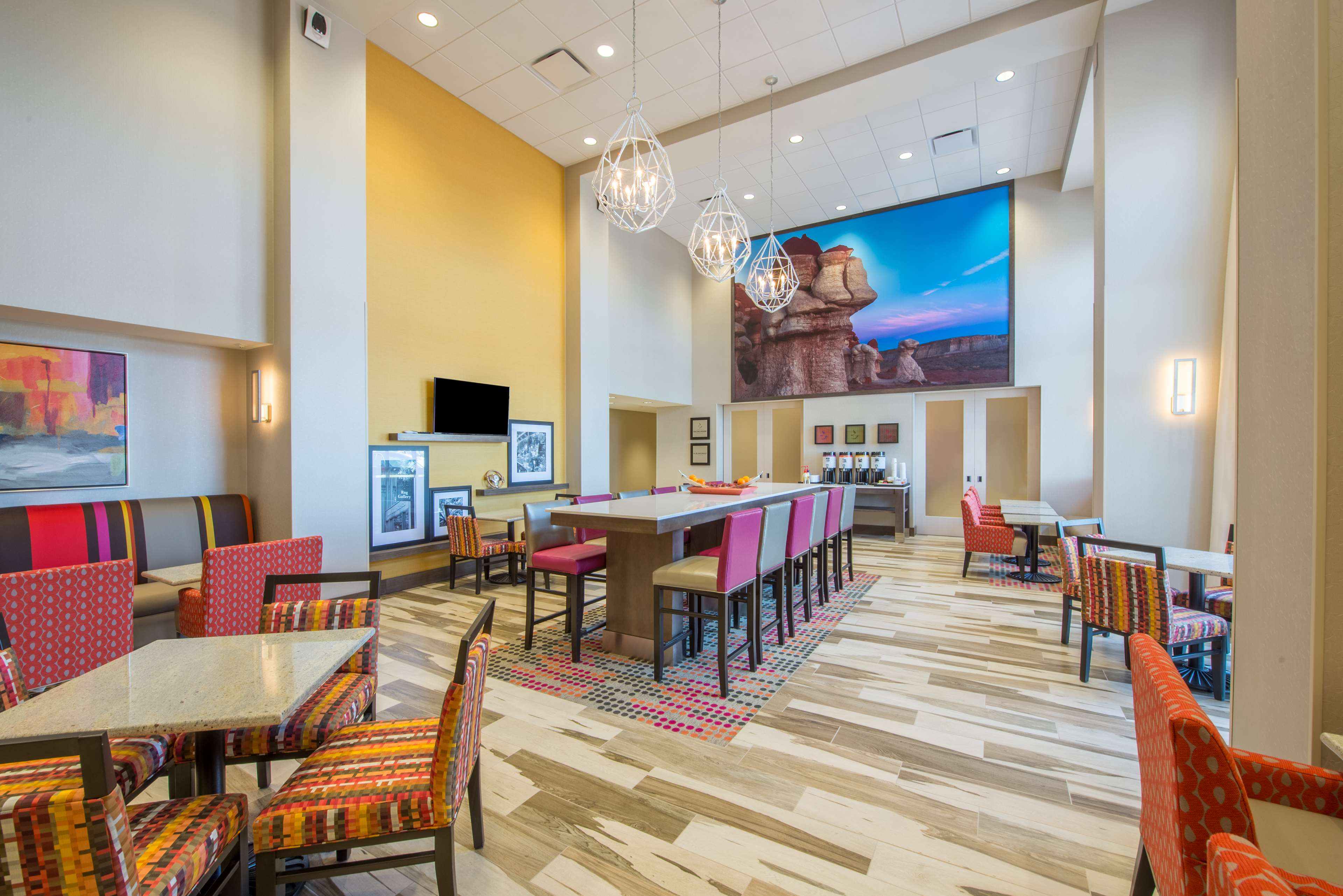 Hampton Inn & Suites Phoenix East Mesa image 9