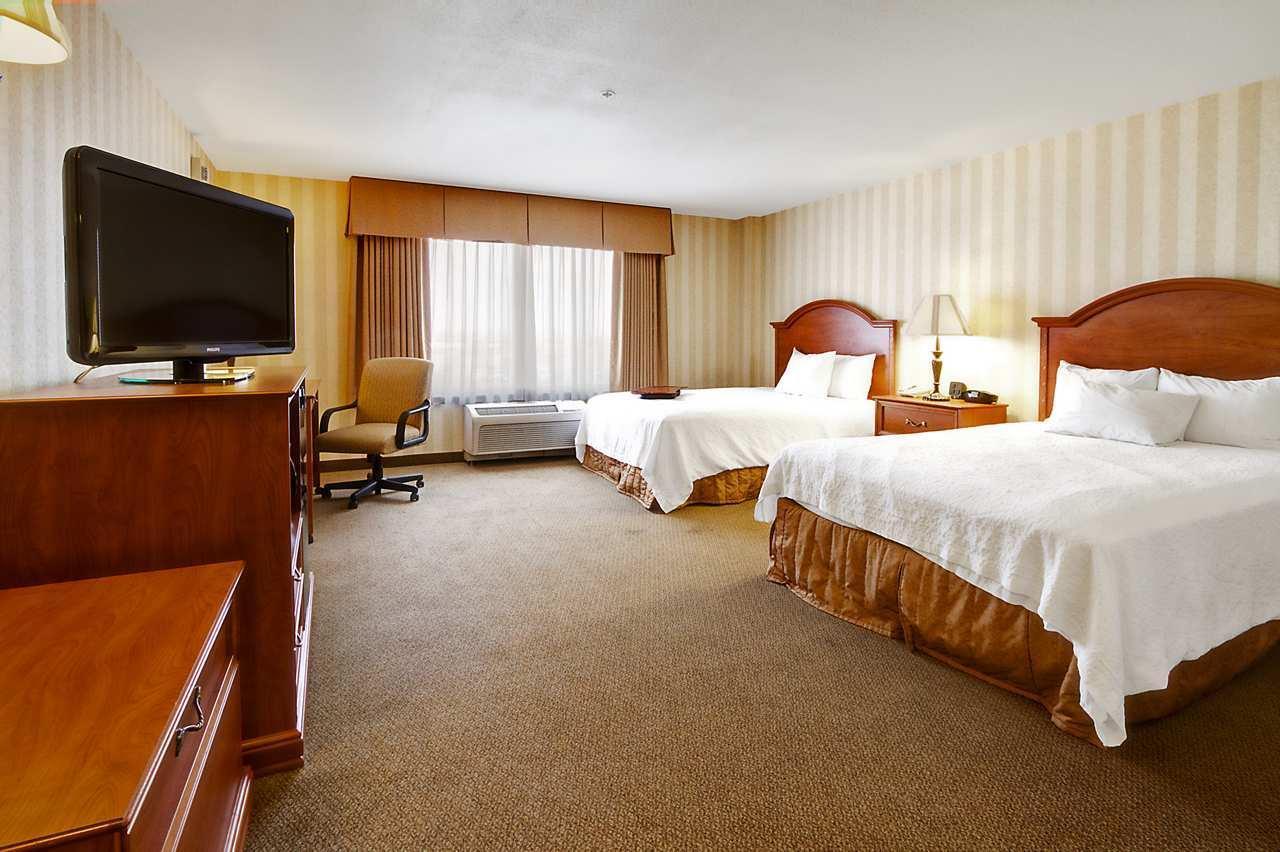 Hampton Inn & Suites Yuma image 14