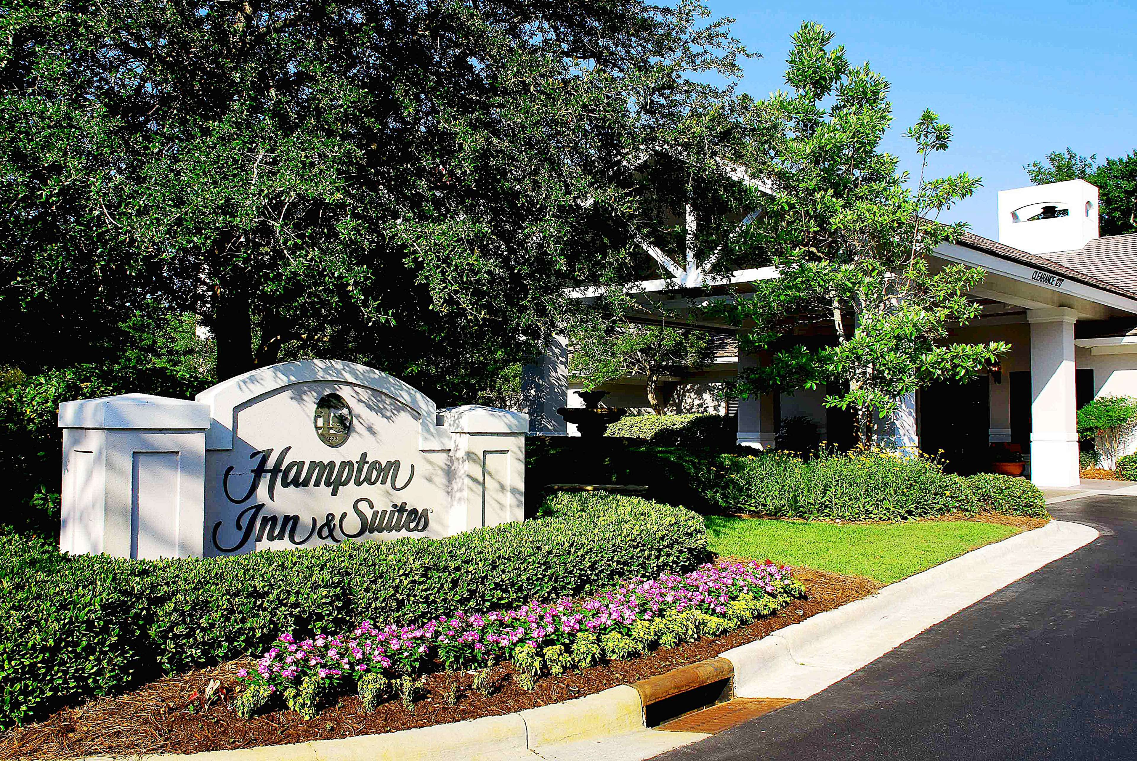 Hampton Inn & Suites Wilmington/Wrightsville Beach image 2