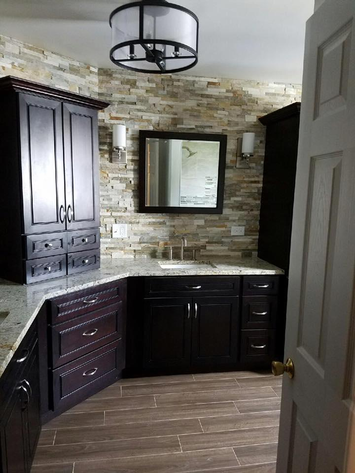West DuPage Cabinets and Granite image 4