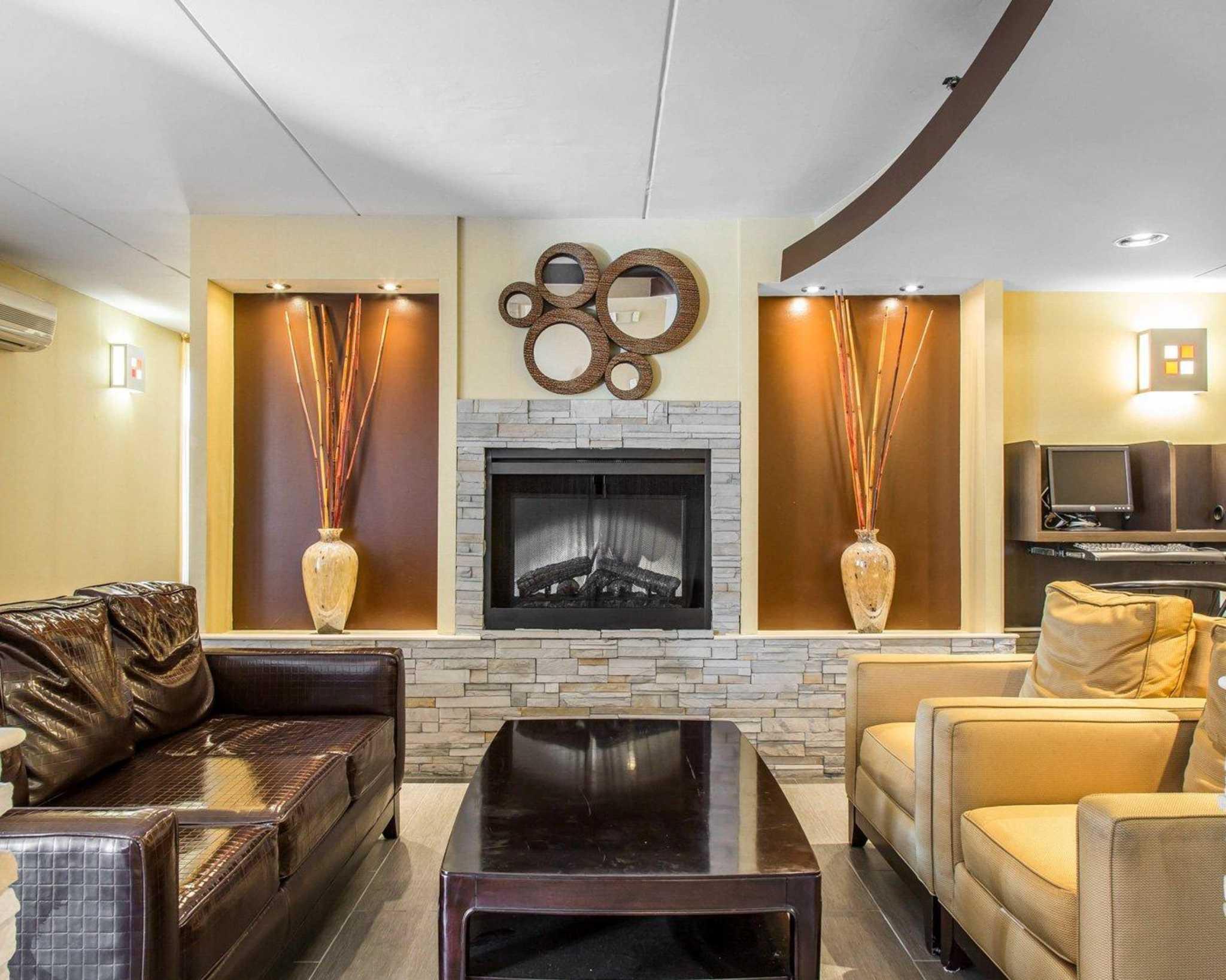 Comfort Inn & Suites East Hartford - Hartford image 5