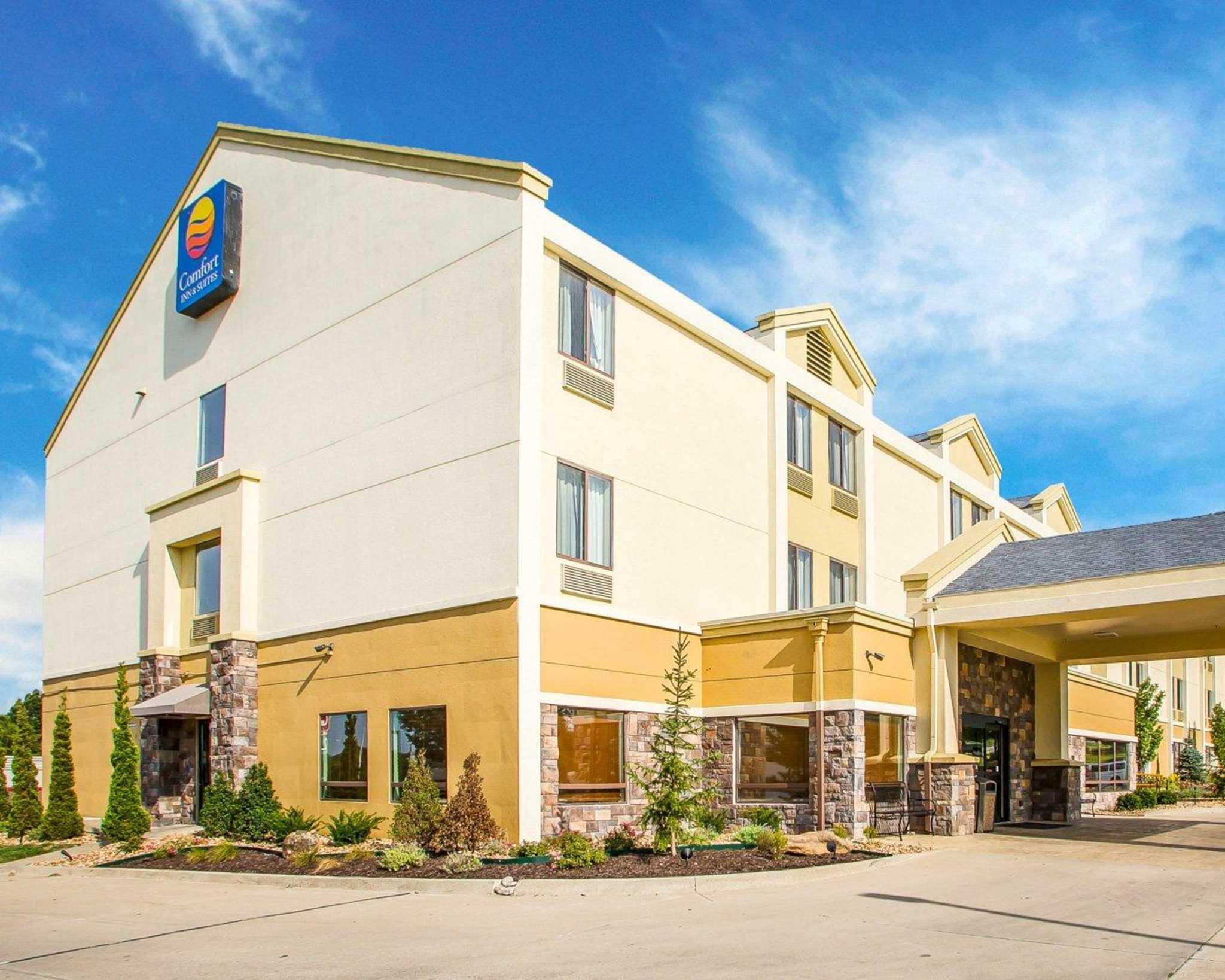 Comfort Inn & Suites Kansas City - Northeast image 2