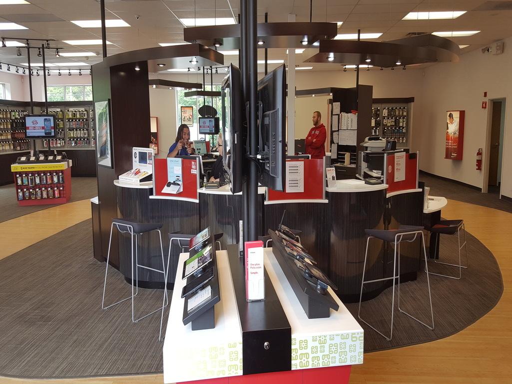 Verizon Authorized Retailer - TCC in Abington, MA, photo #4