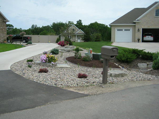 Distinctive Landscaping Inc
