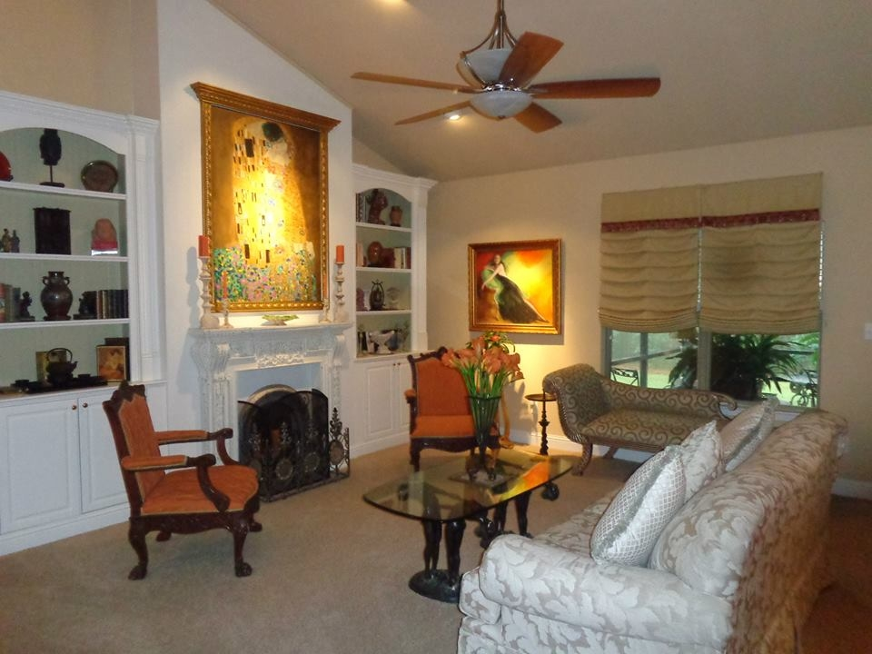 Groups up to 4 have plenty of room to relax in the large relaxation area and on cold days enjoy the fireplace