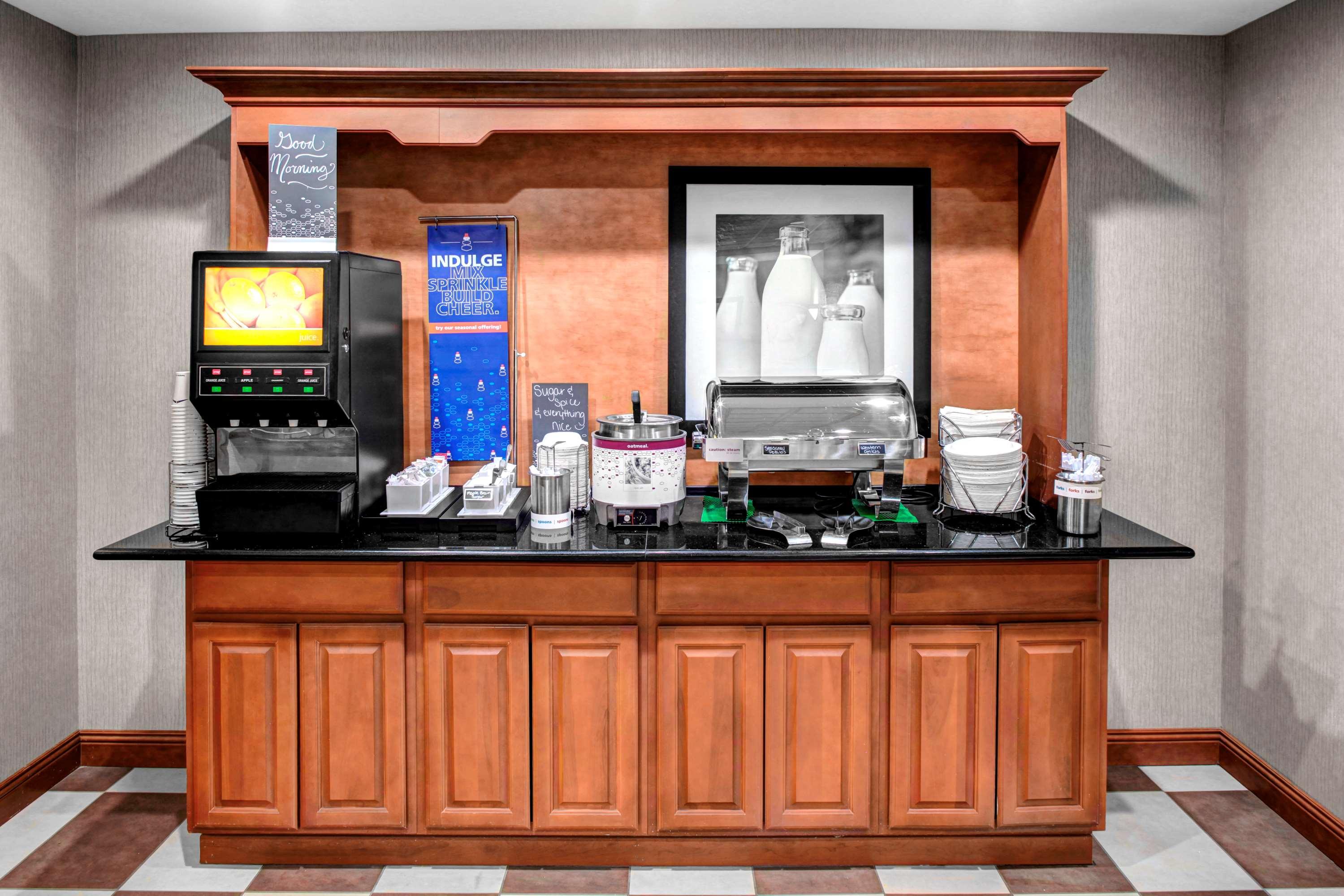 Hampton Inn Coldwater image 10