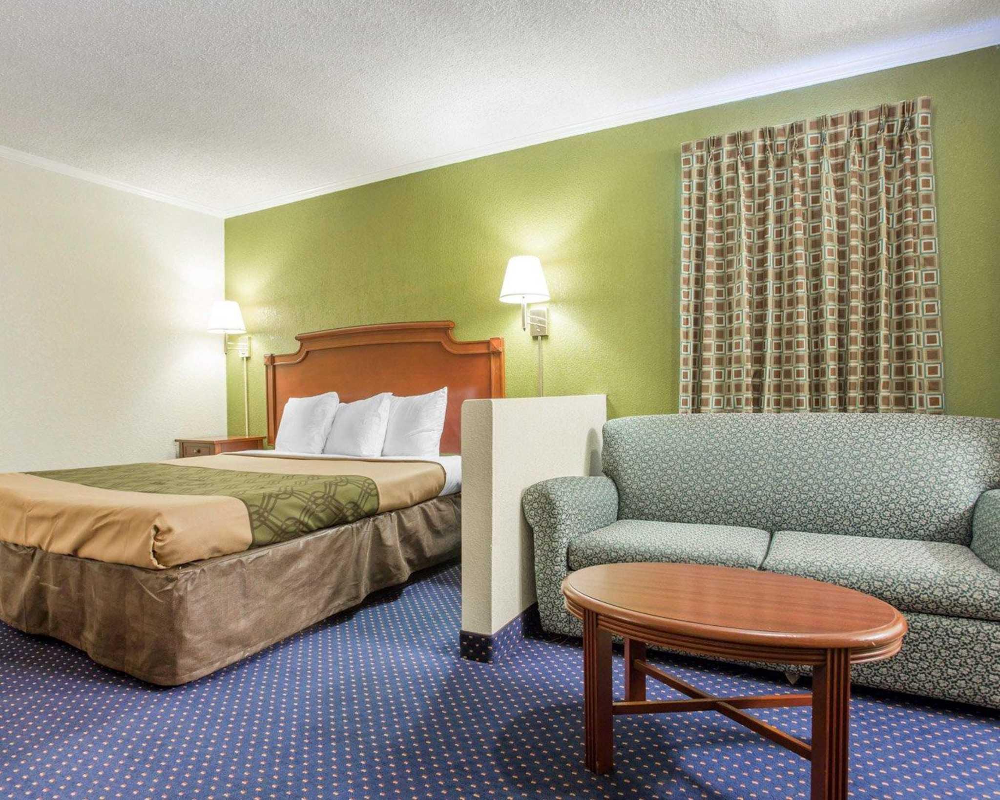 Rodeway Inn & Suites Fort Jackson image 25