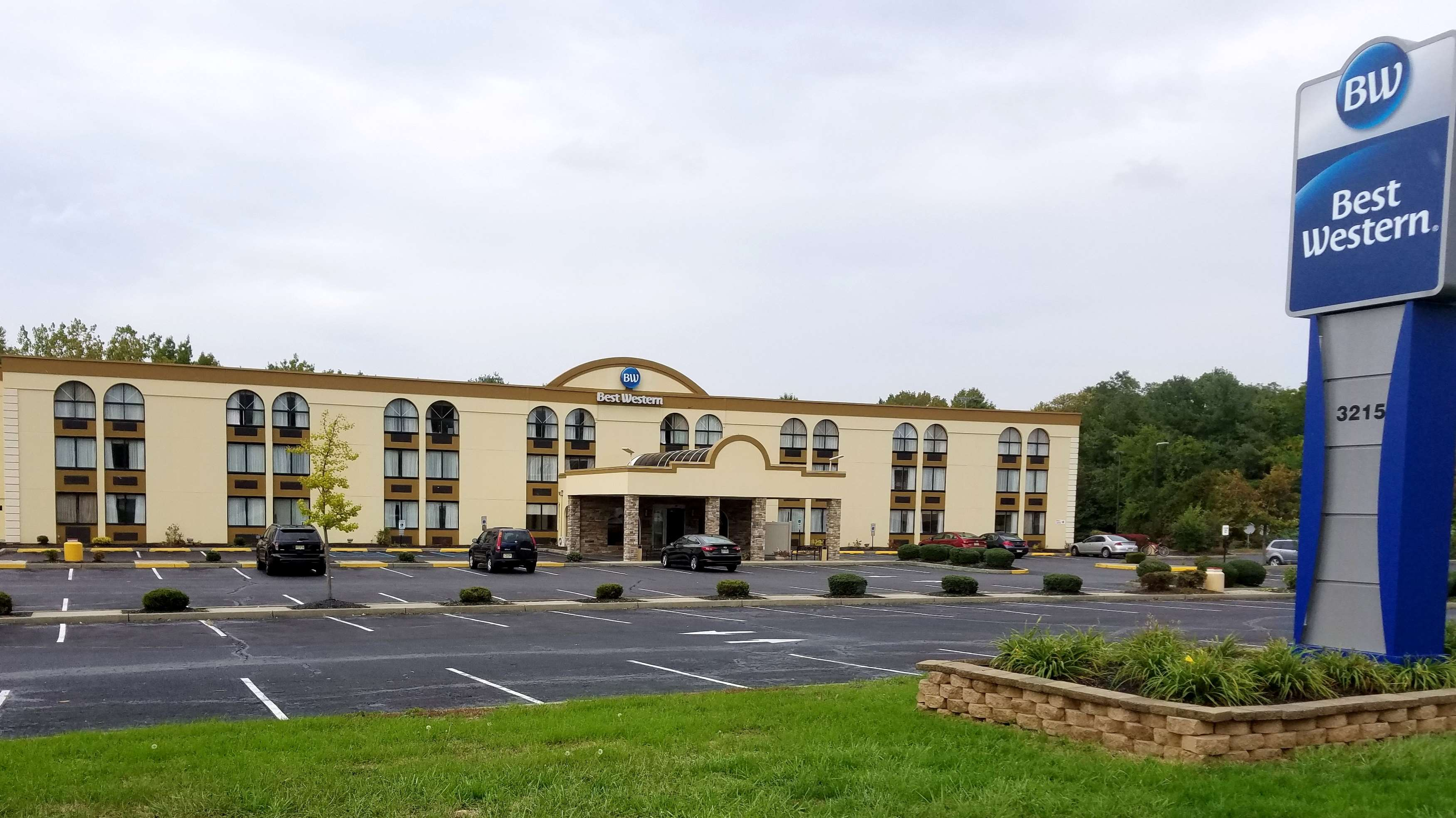 Best Western Hazlet Inn image 13