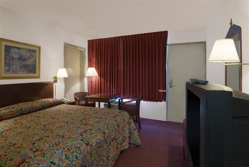Americas Best Value Inn & Suites Searcy image 4