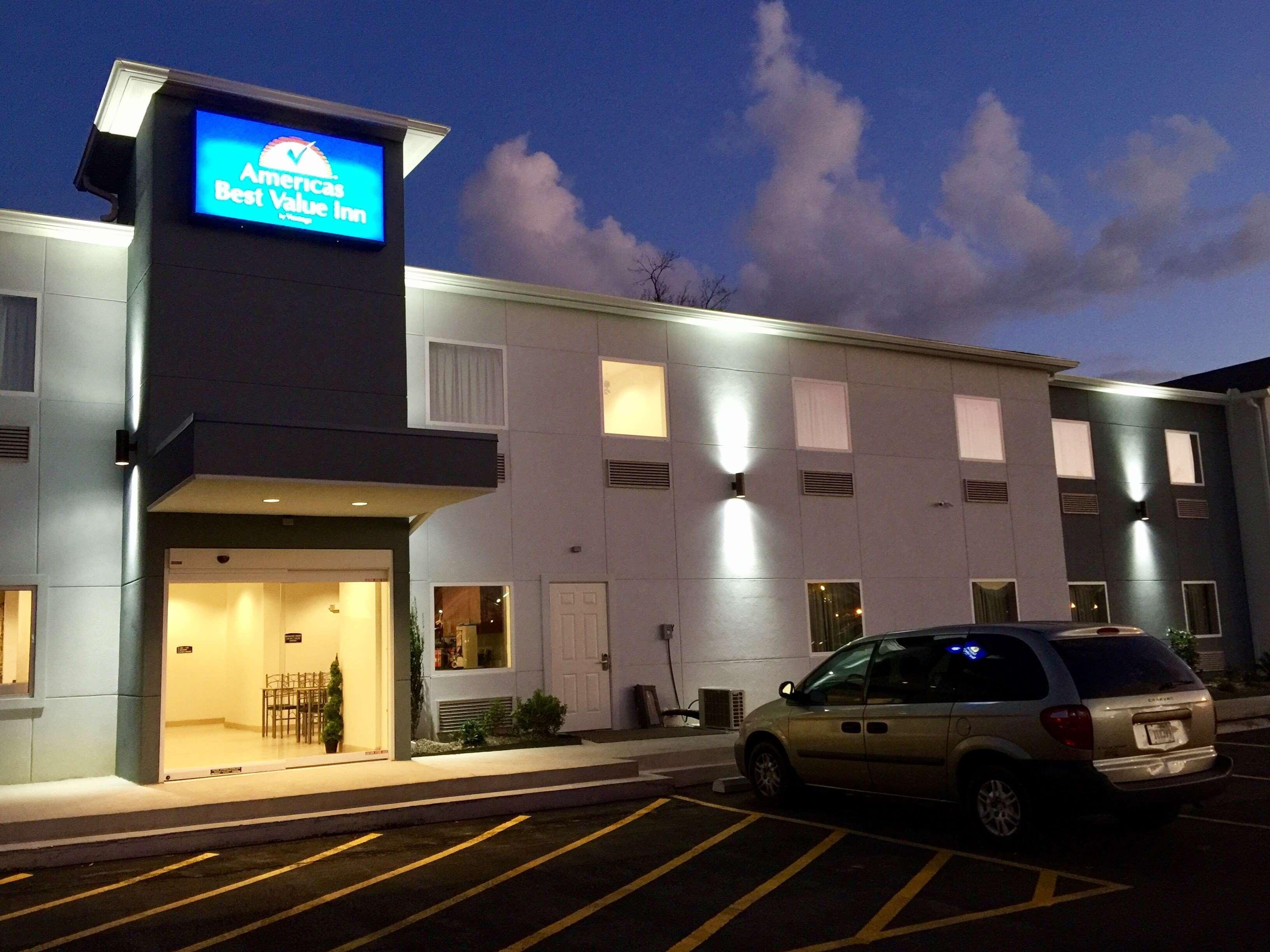 Americas Best Value Inn - Baton Rouge / College Drive image 2