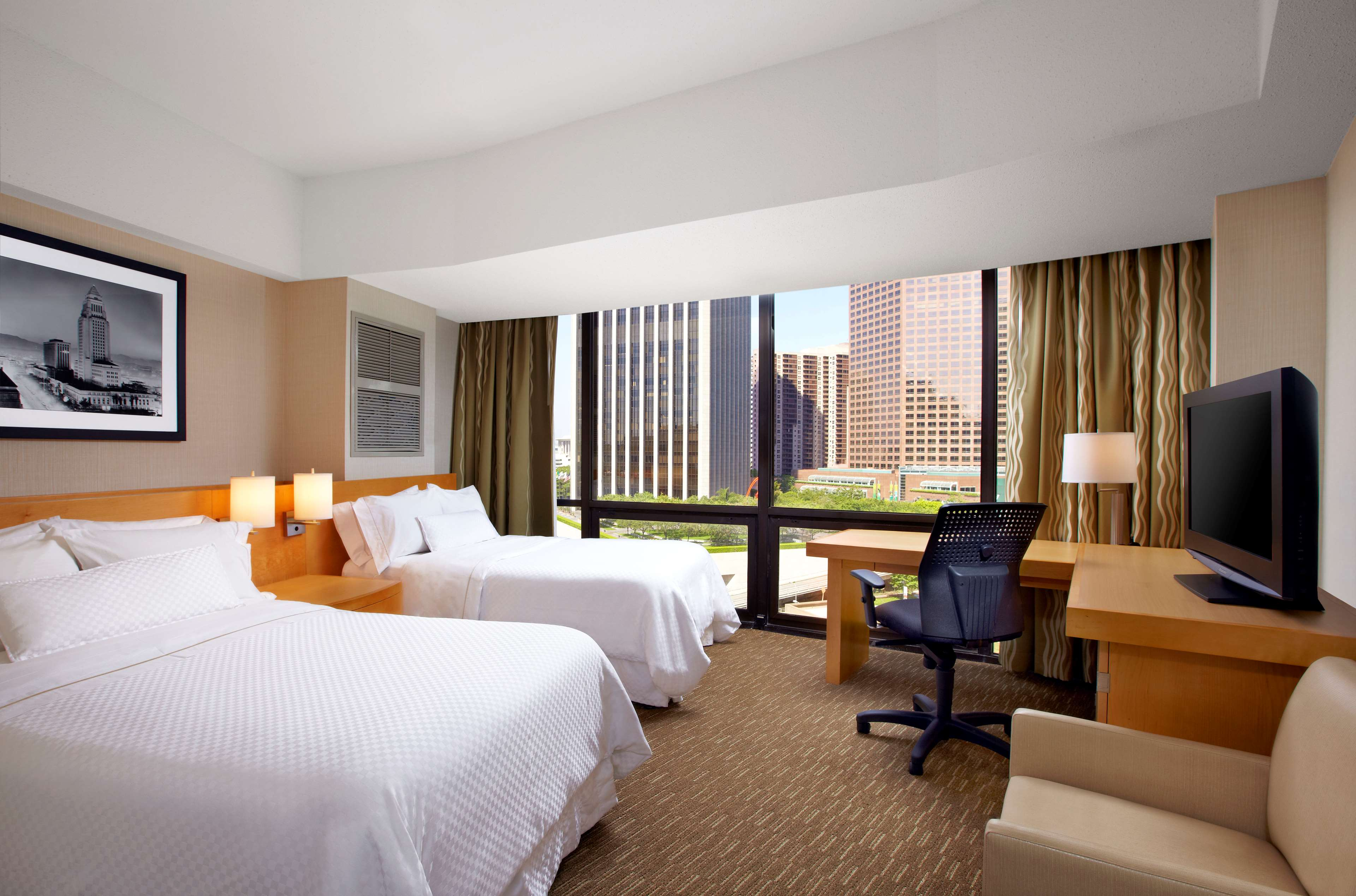 The Westin Bonaventure Hotel & Suites, Los Angeles image 17