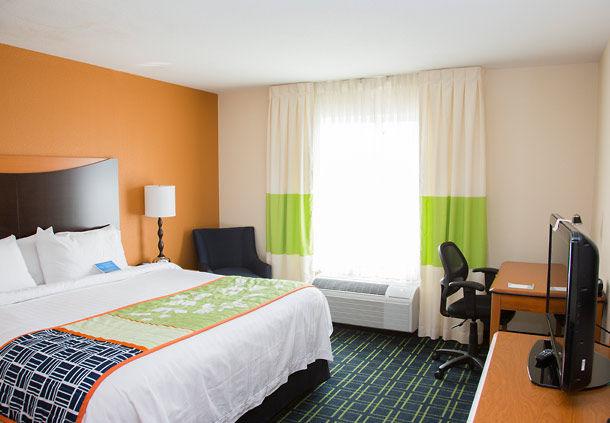 Fairfield Inn & Suites by Marriott Carlsbad image 2