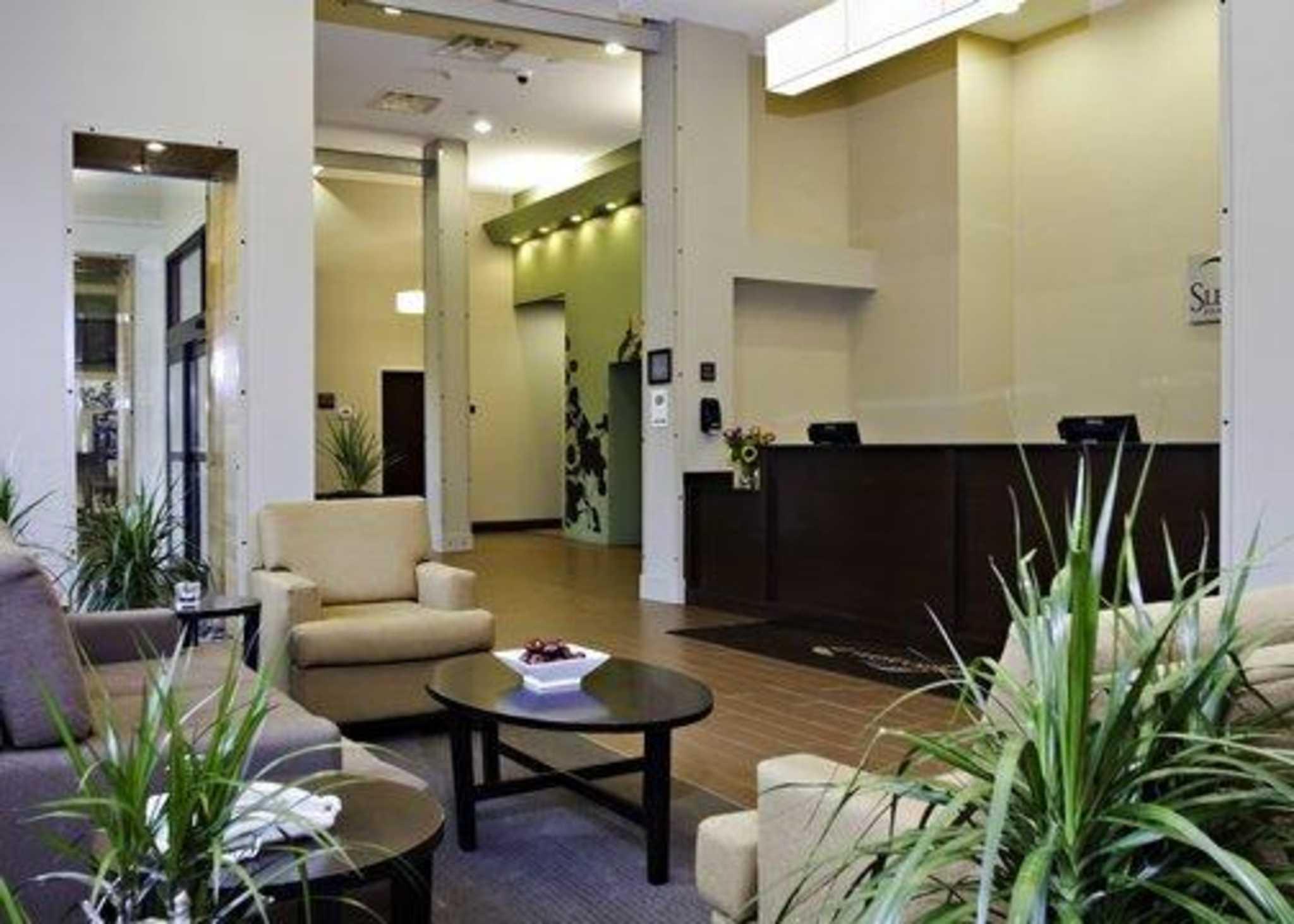 Sleep Inn & Suites Downtown Inner Harbor image 10
