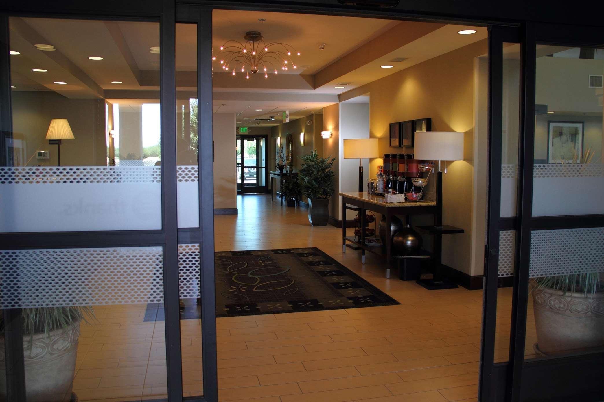 Hampton Inn & Suites Manteca image 3