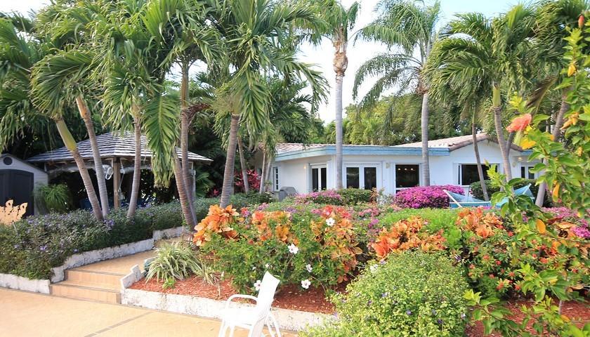 Island Villa Rental Properties image 1