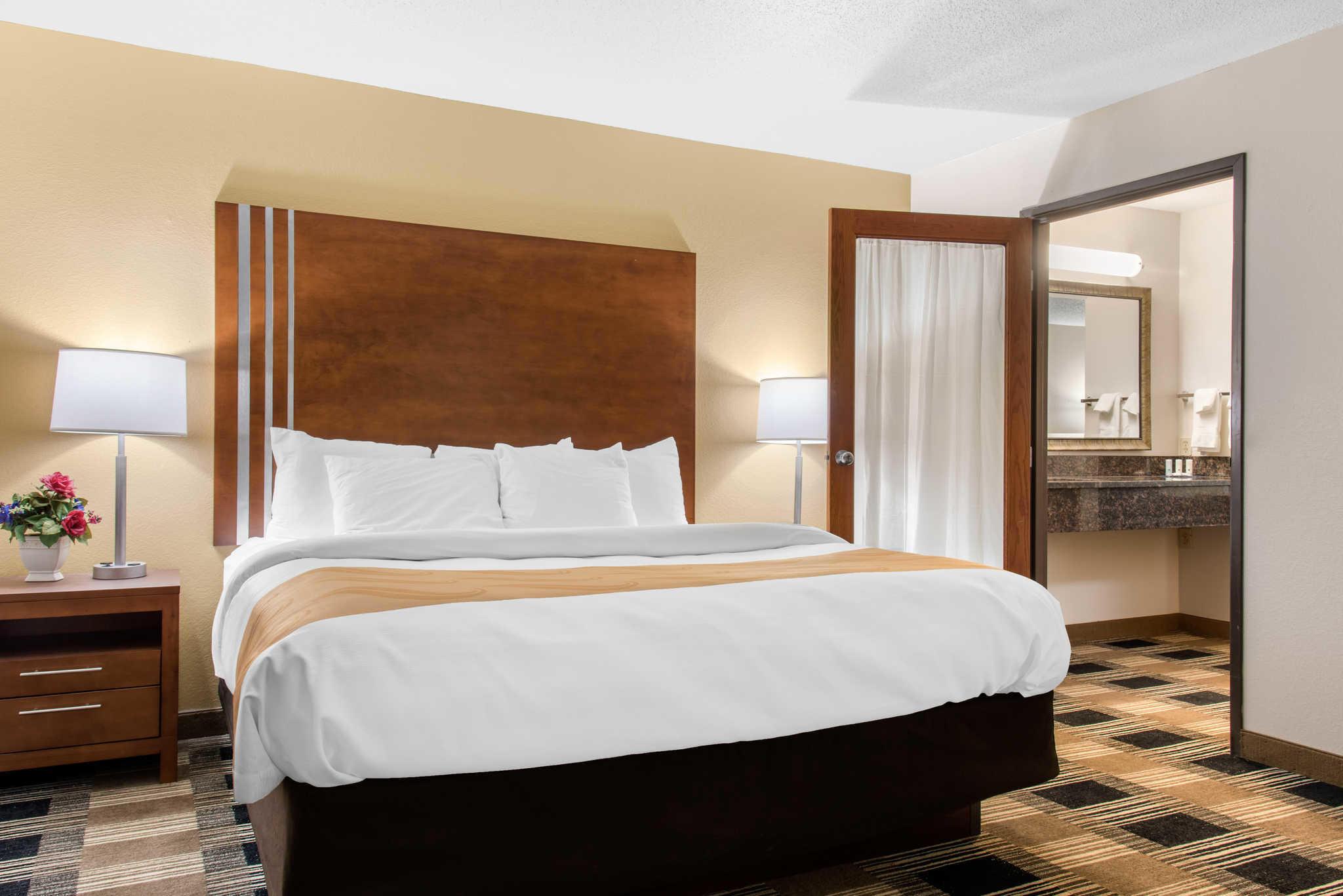 Quality Inn image 34