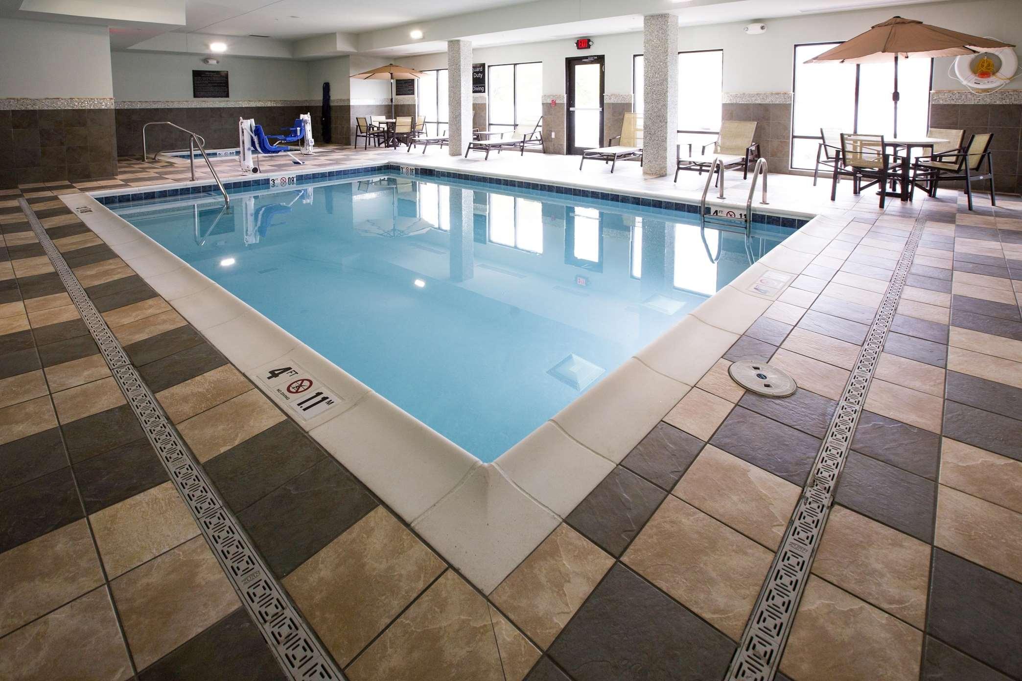 Hampton Inn & Suites Toledo/Westgate image 4