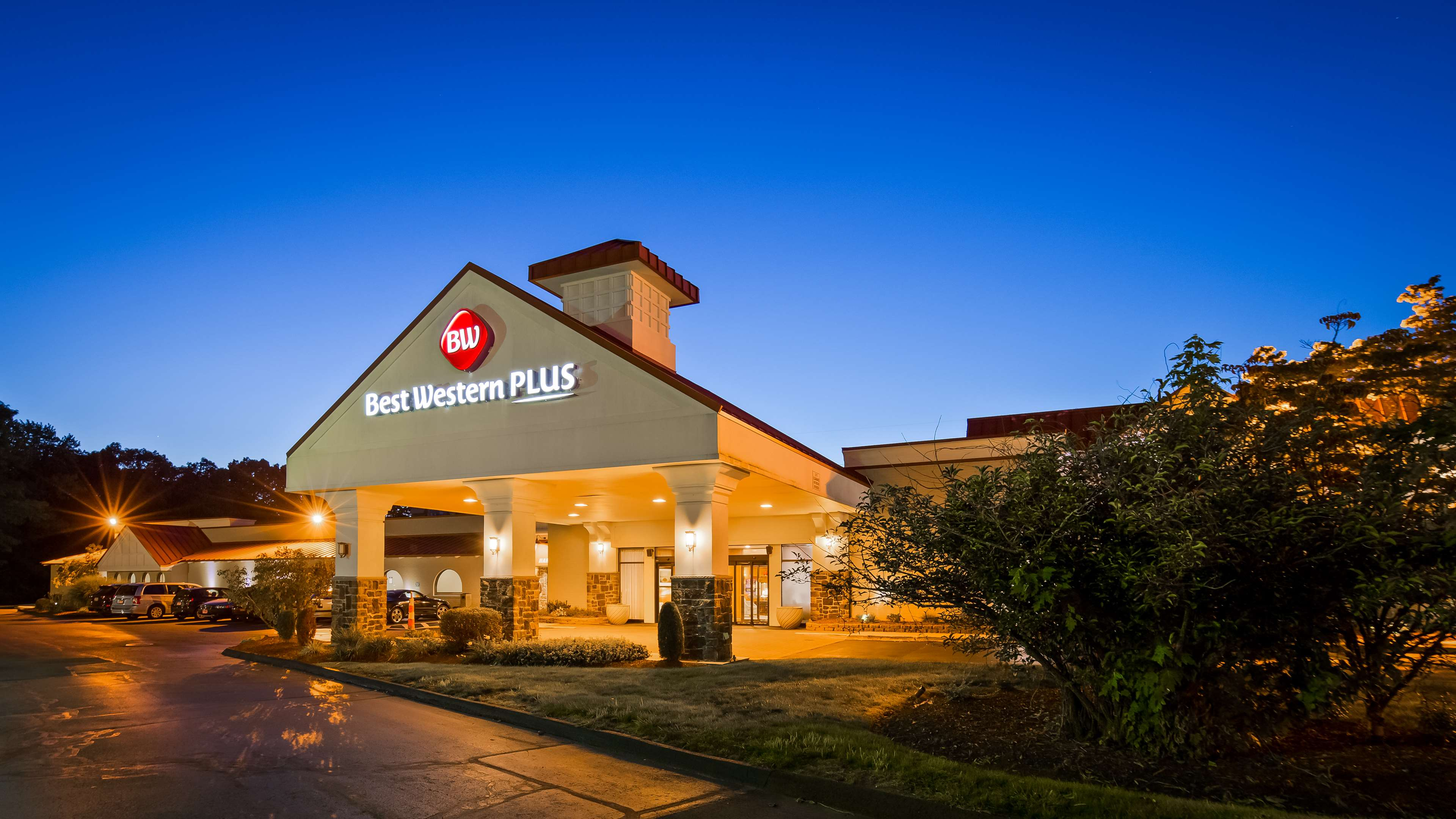 Best Western Plus North Haven Hotel image 1