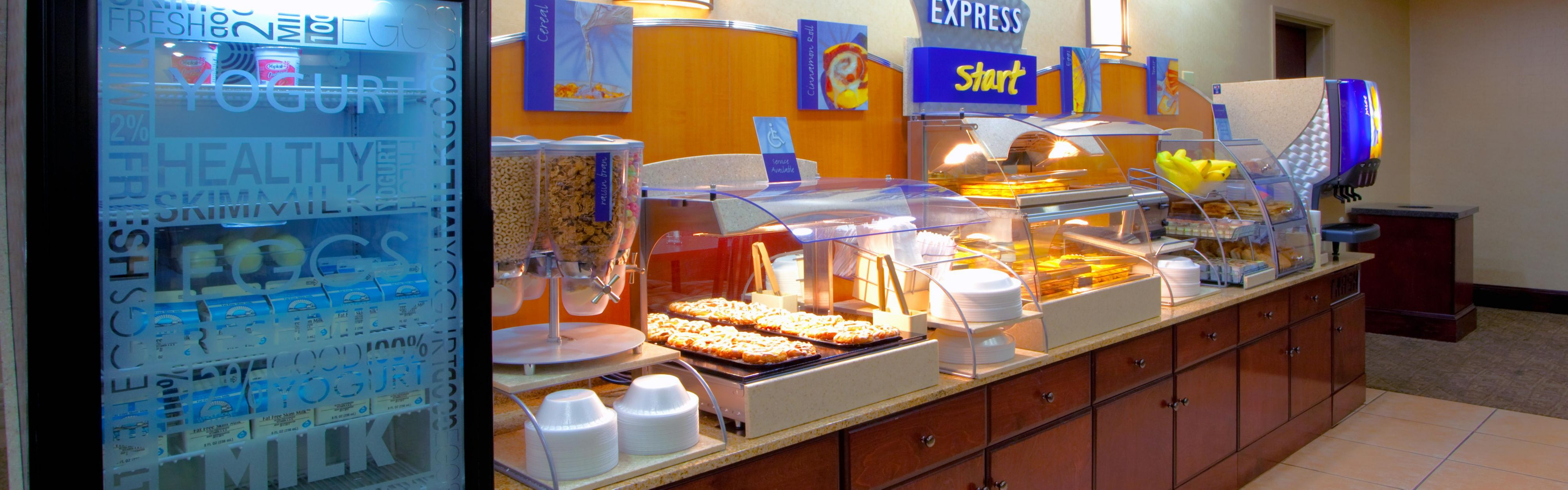 Holiday Inn Express & Suites Tappahannock image 3