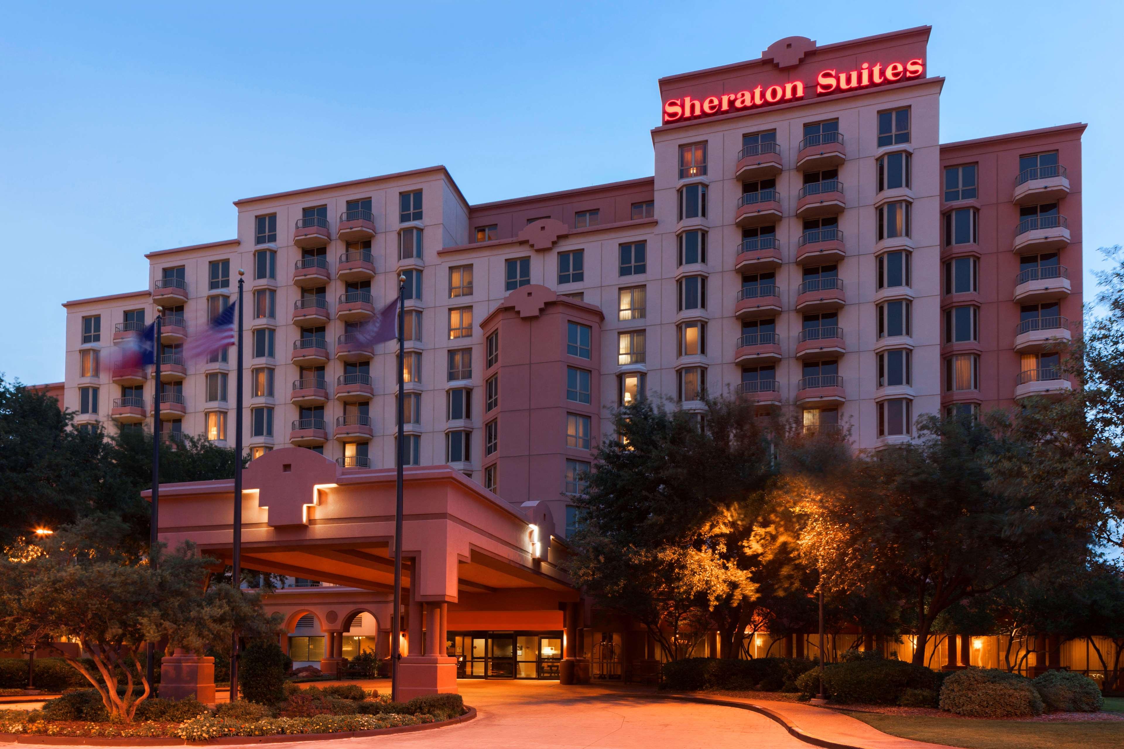 Sheraton Suites Market Center Dallas image 1
