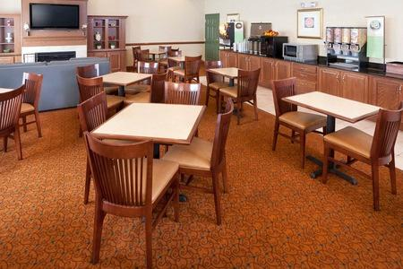 Country Inn & Suites by Radisson, Goodlettsville, TN image 3