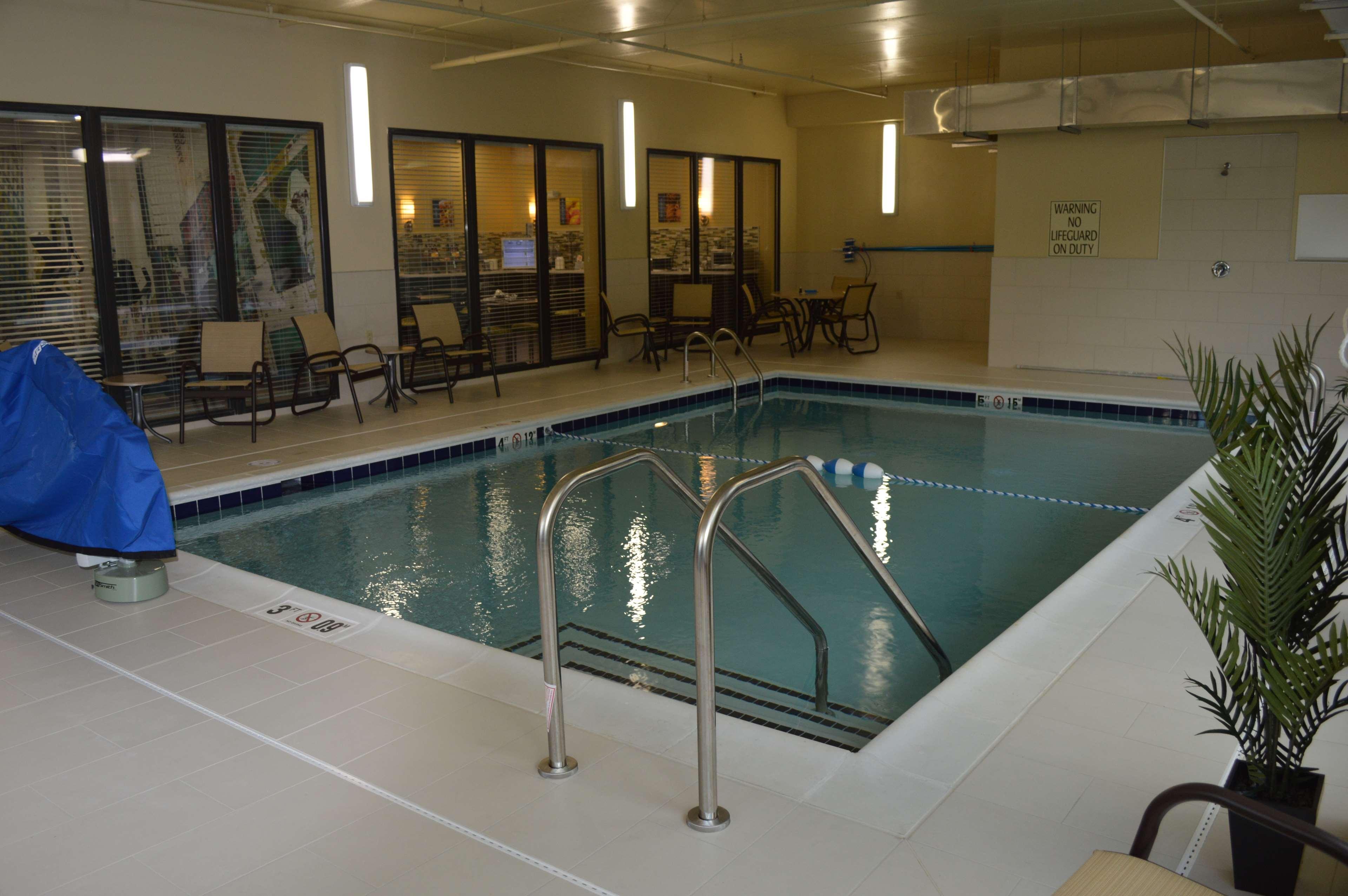 Best Western Plus Thornburg Inn & Suites image 4