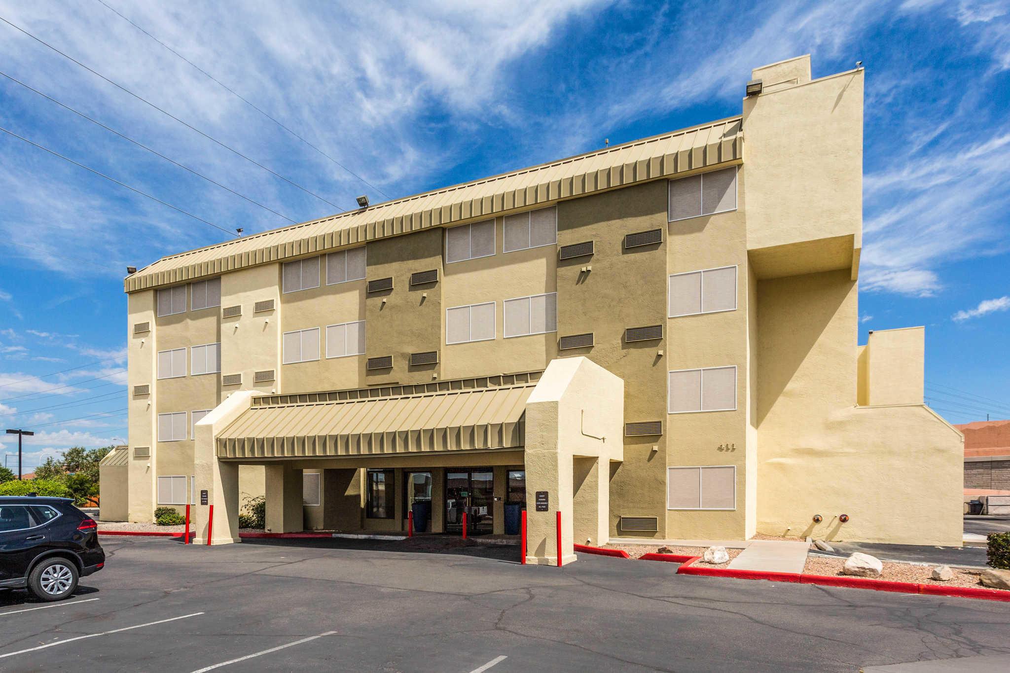 Comfort Inn & Suites Albuquerque Downtown image 3