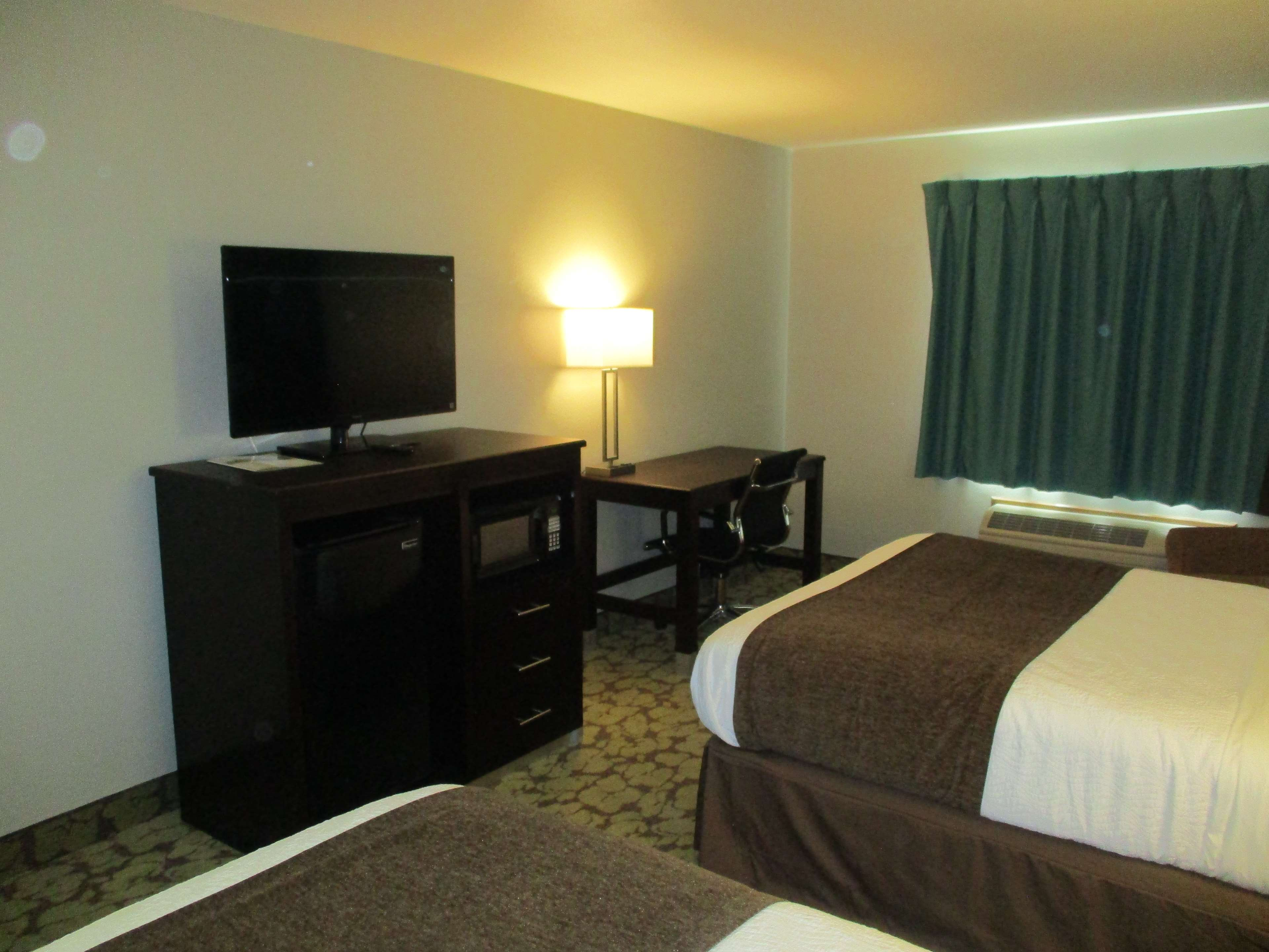 SureStay Plus Hotel by Best Western Bettendorf image 24
