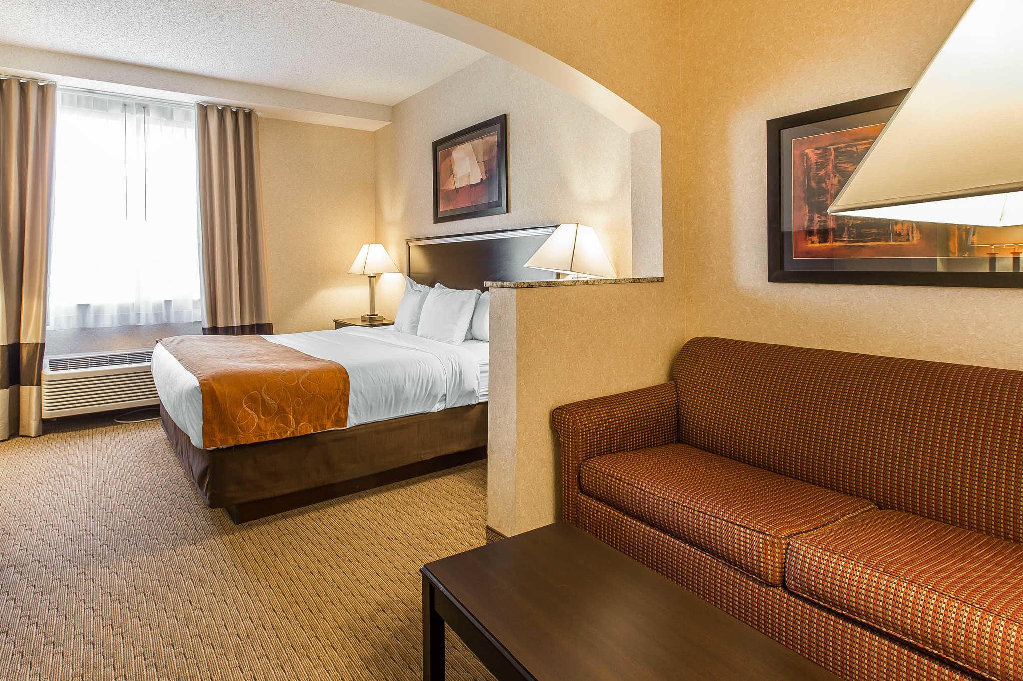 Comfort Suites Summit County image 8